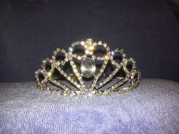 "2"" tall crown with side combs (foso86)"