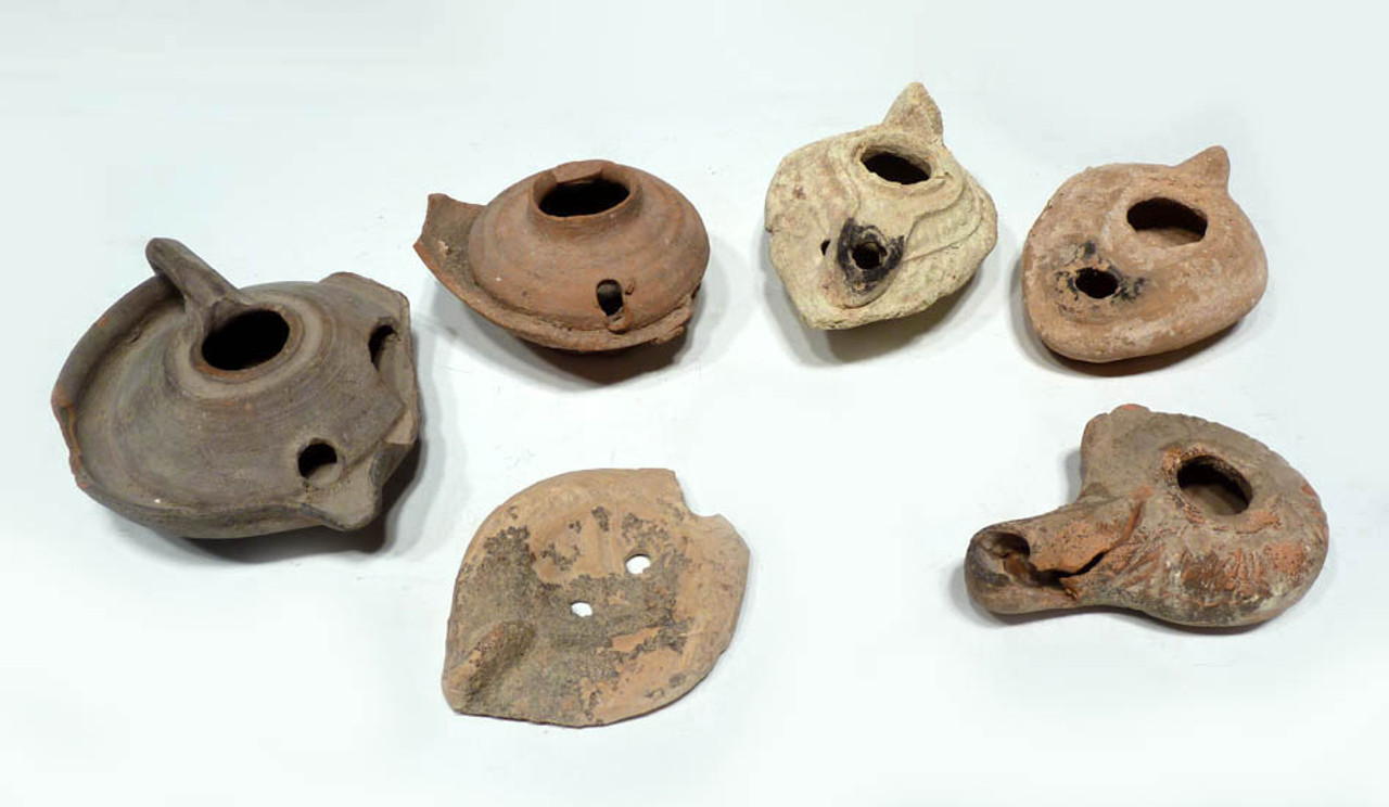 R099 - ANCIENT COLLECTION OF 5 GREEK, ROMAN AND ISLAMIC TERRA COTTA OIL LAMPS