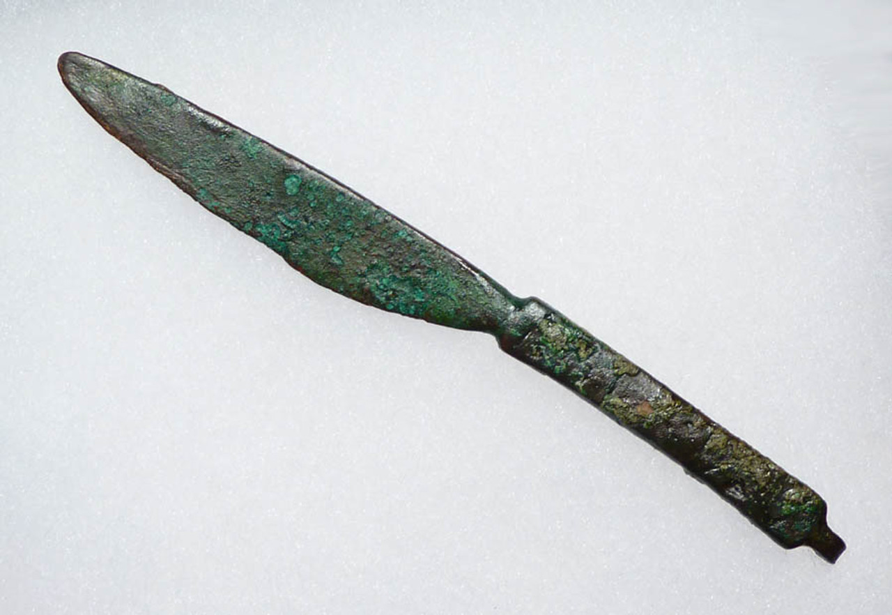 LUR064 - ANCIENT NEAR EASTERN SMALL BRONZE COSMETIC RAZOR KNIFE WITH INTACT HANGING BAIL AND DECORATIVE HANDLE