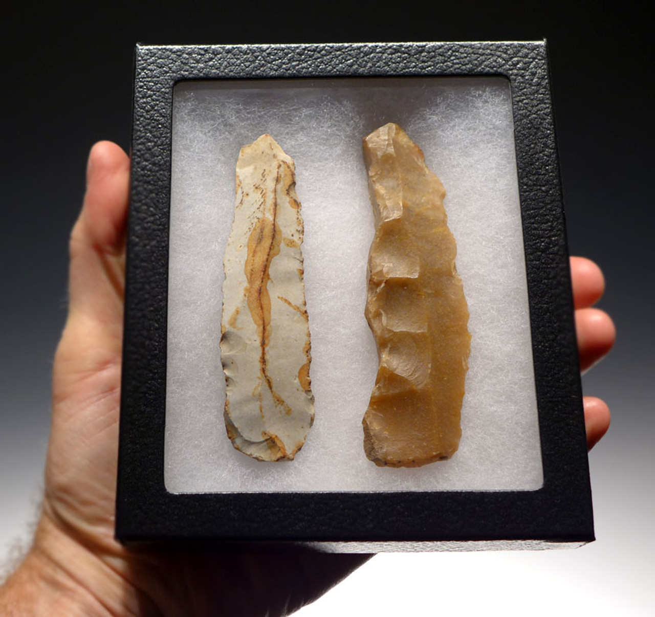 N158 - MUSEUM-GRADE SET OF 2 UNBROKEN LONG FLINT EUROPEAN NEOLITHIC STONE KNIFE BLADES OF DIFFERENT SOURCES