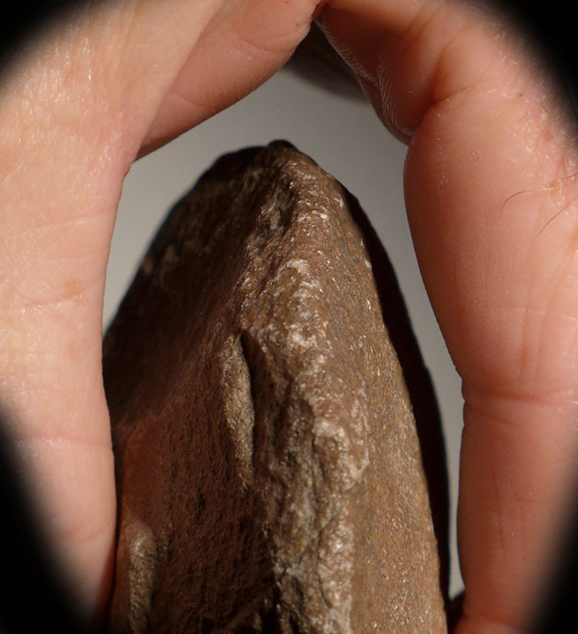 ACH214 - PREHISTORIC ACHEULIAN CORDIFORM HANDAXE OF EXCEPTIONAL WORKMANSHIP MADE BY HOMO ERGASTER (ERECTUS)