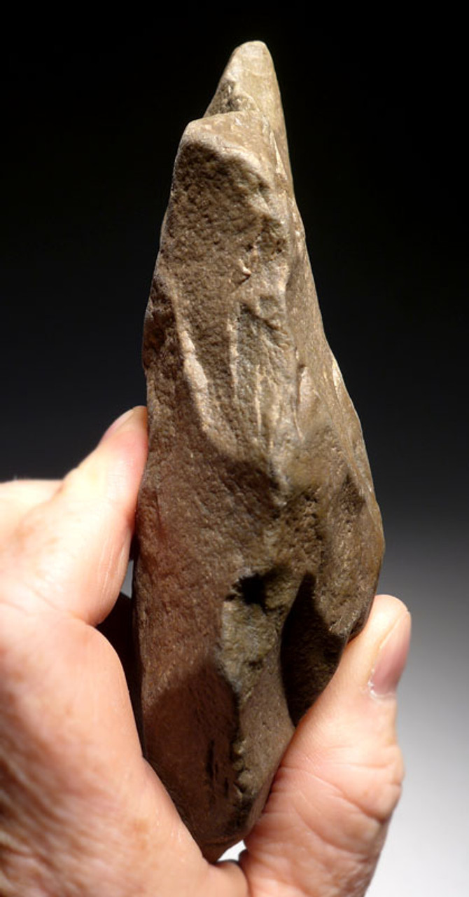 ACH229 - LARGE LOWER PALEOLITHIC ACHEULIAN HAND AXE WITH SHARP TIP MADE BY HOMO ERGASTER