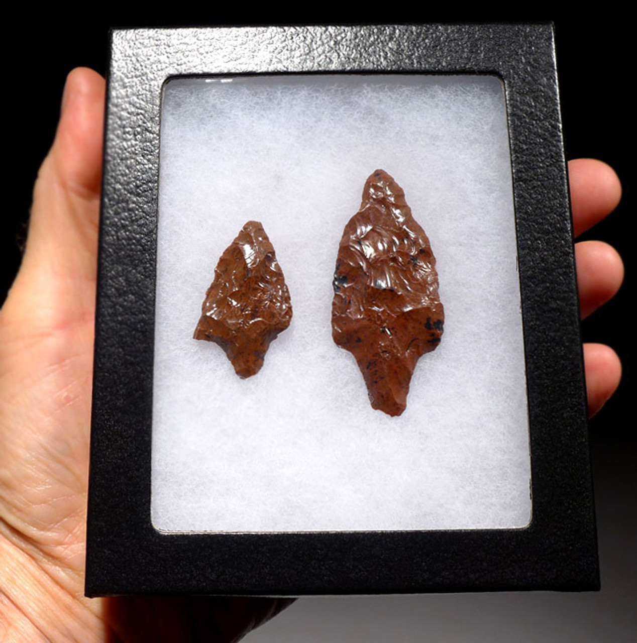 PC239- SET OF RARE RED PRE-COLUMBIAN OBSIDIAN ATLATL AND ARROWHEAD POINTS