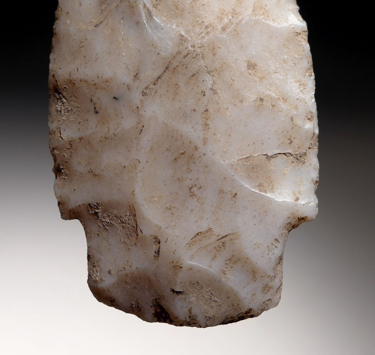 PC248 - SUPERBLY MADE PRE-COLUMBIAN AZTEC LARGE ATLATL SPEARHEAD MADE OF WHITE FLINT