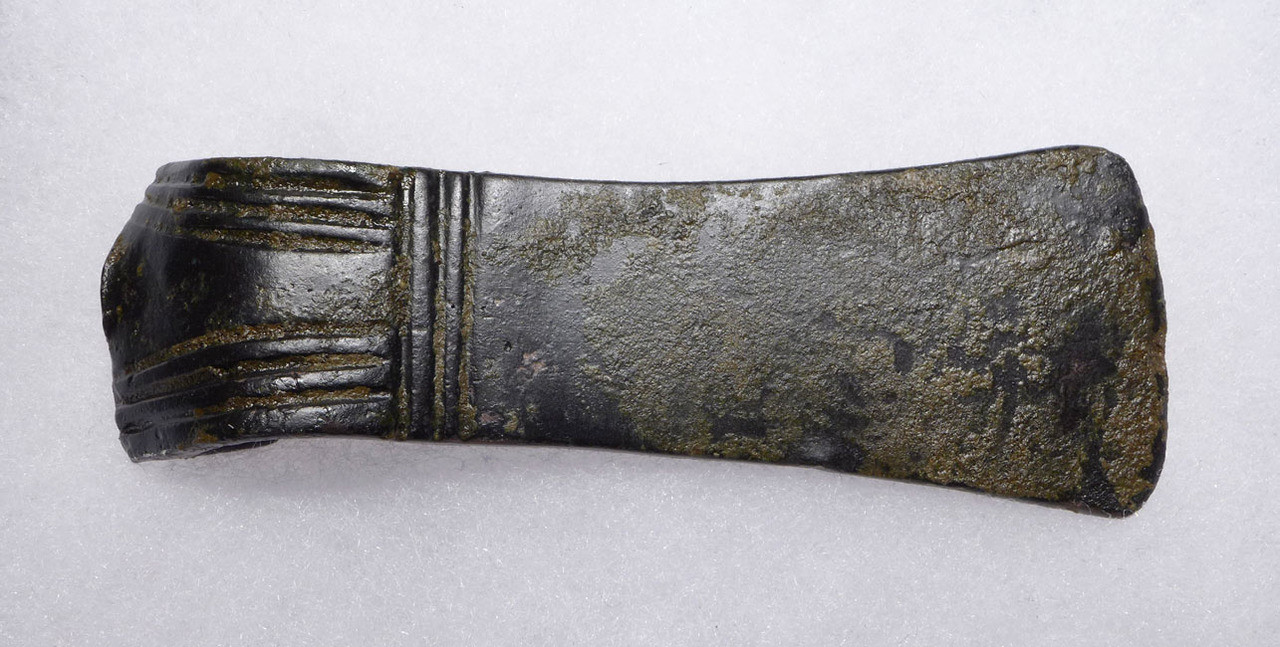 NE167 - ANCIENT BRONZE NEAR EASTERN LURISTAN WAR AXE WITH INCISED DECORATION