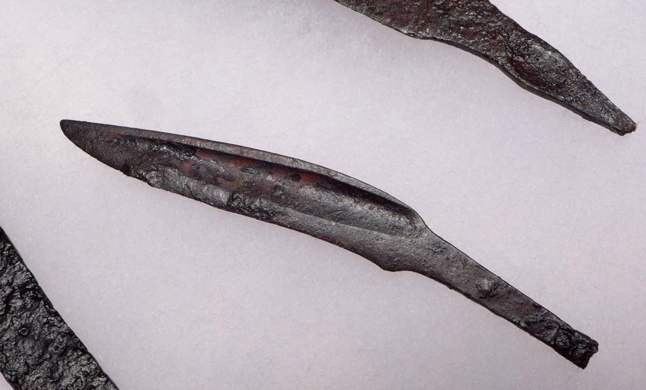 R131 - RARE ANCIENT CELTIC IRON KNIFE AND DAGGER SET