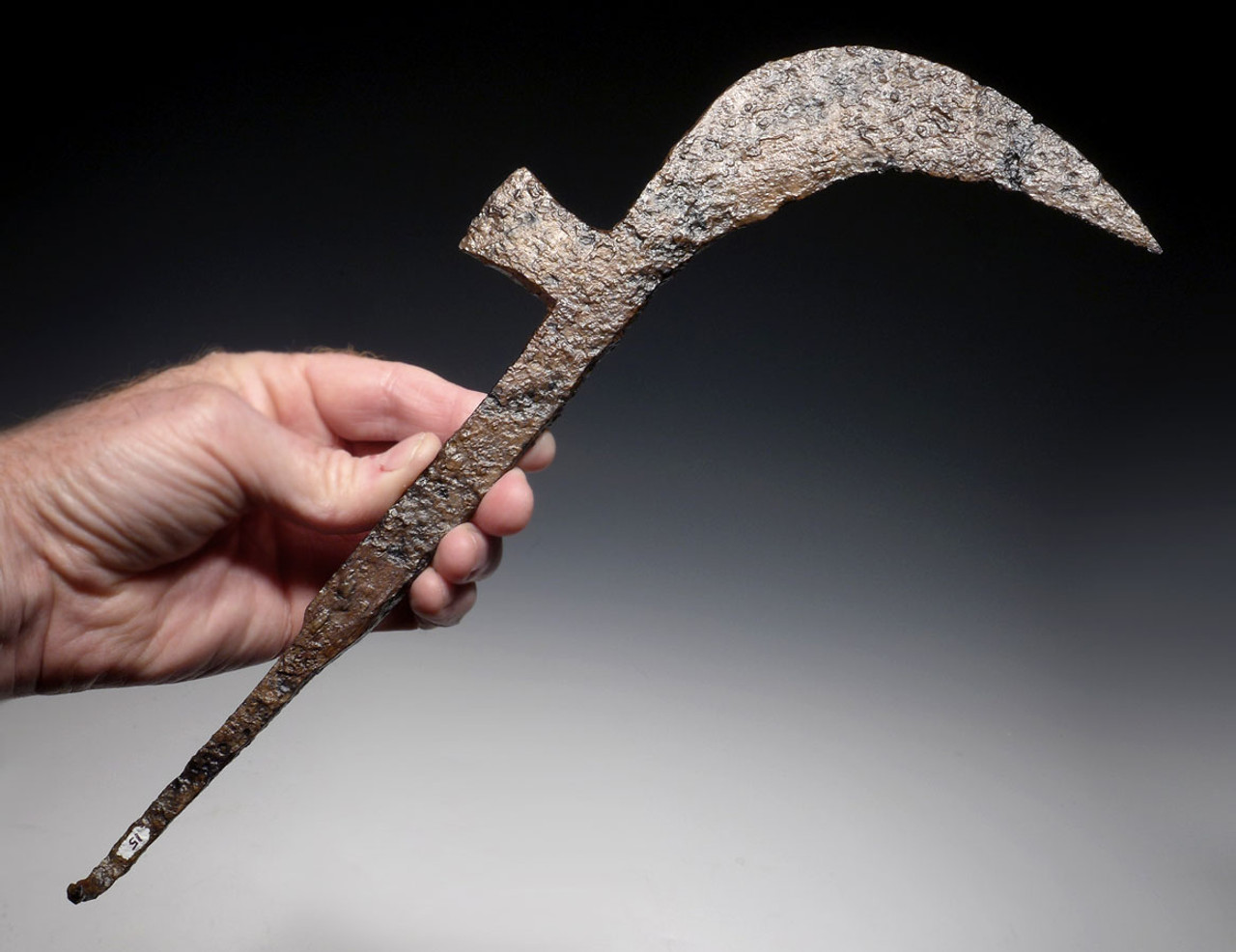 R129 - LARGE IRON EASTERN ROMAN BYZANTINE SICKLE AXE USED AS WEAPON