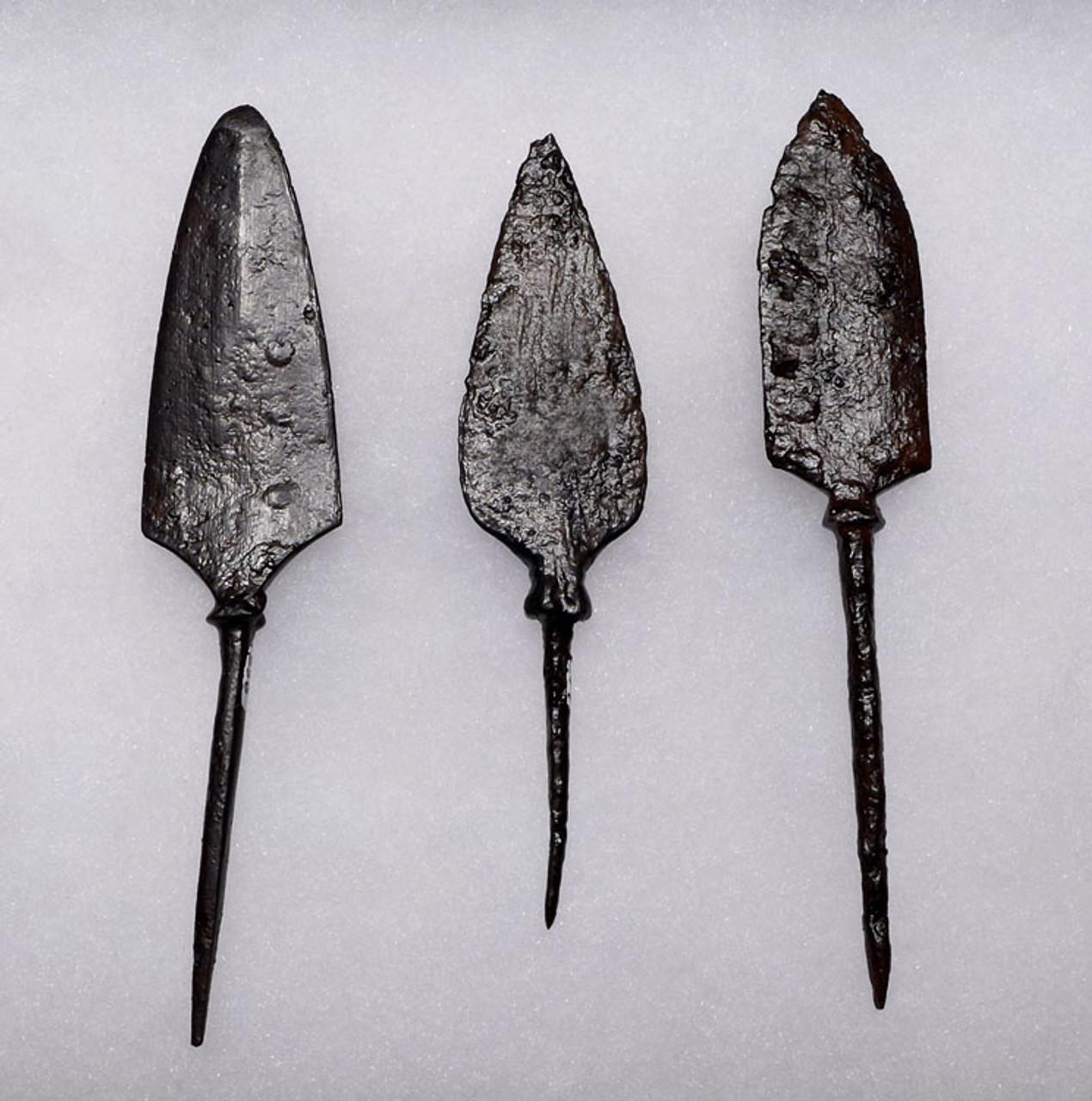 R151 - SET OF 3 ROMAN IRON ARROWHEADS FROM THE BYZANTINE ERA