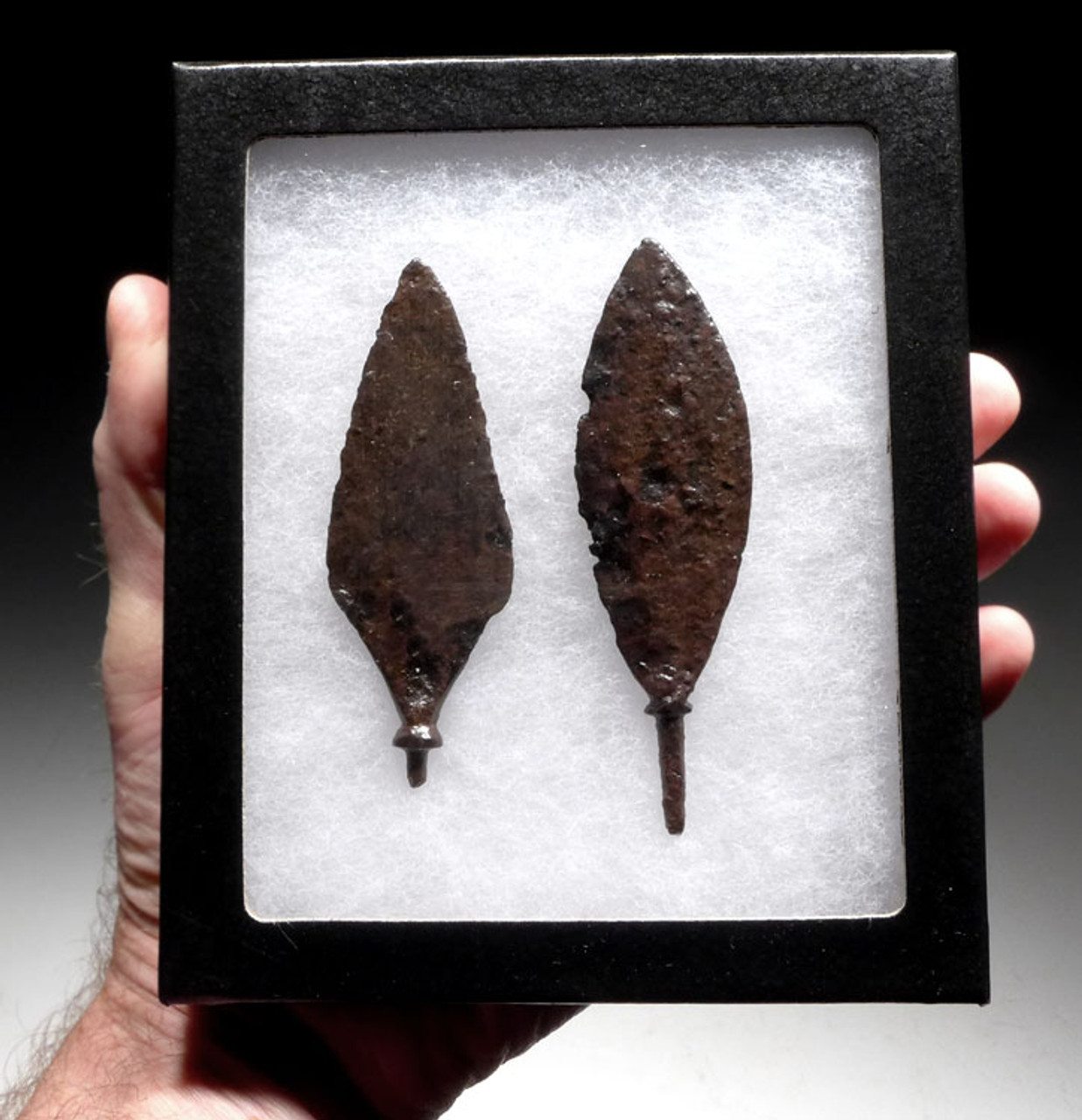 R138 - SET OF 2 LARGE ROMAN IRON ARROWHEADS FROM THE BYZANTINE ERA