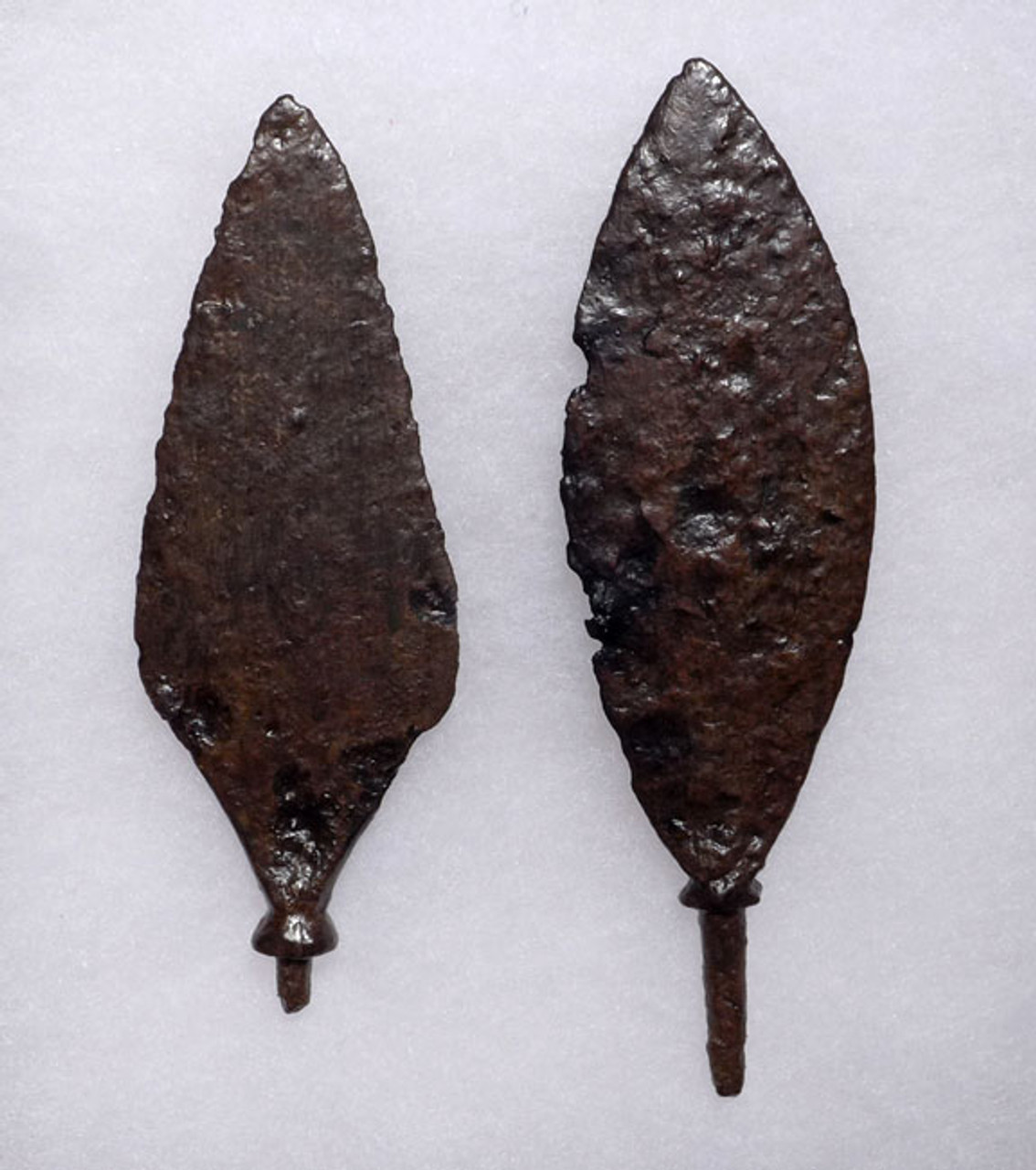 R138 - SET OF 2 LARGE ROMAN IRON ARROWHEADS FROM THE BYZANTINE ERA