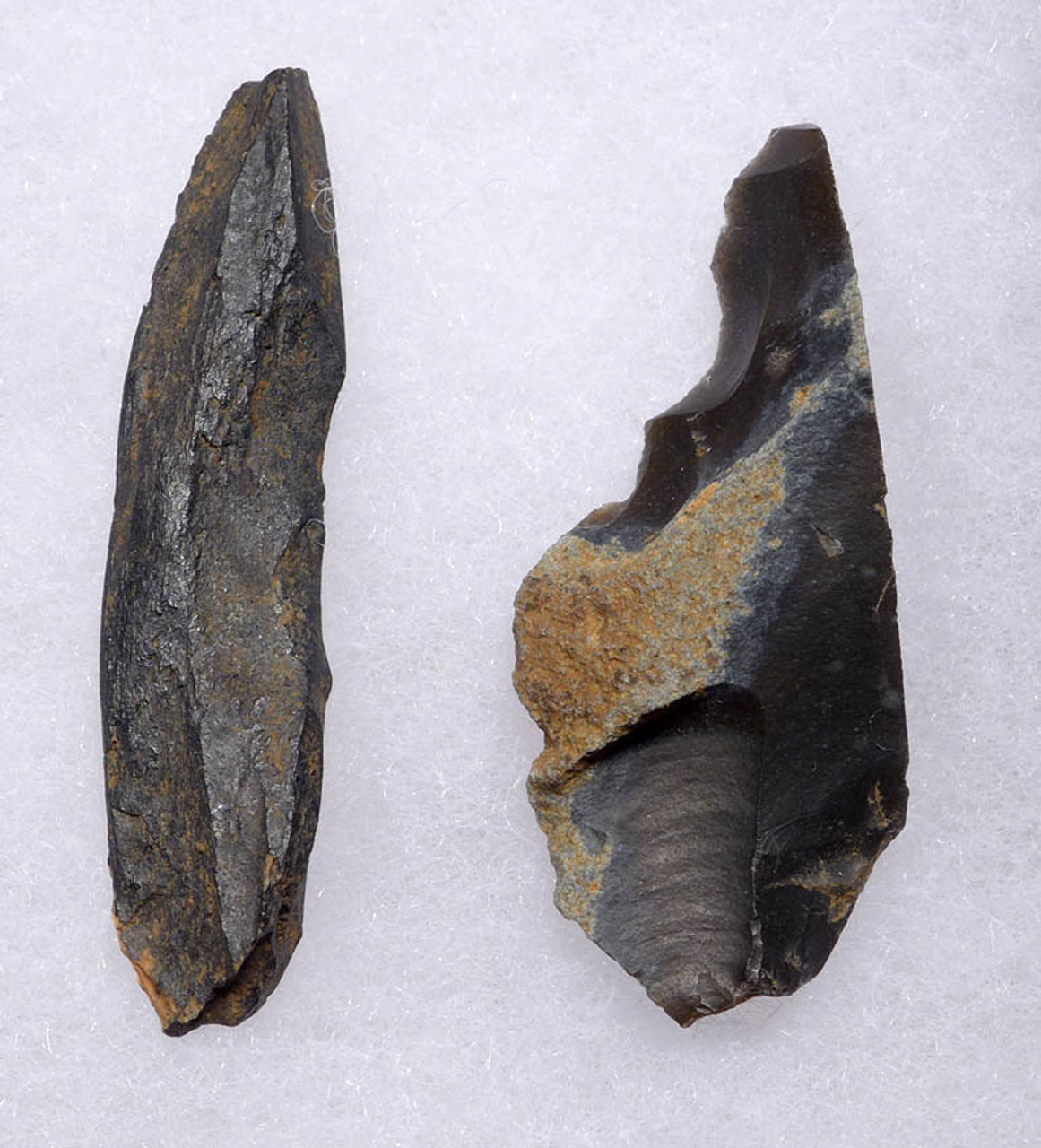 UP030 - SET OF TWO RARE UPPER PALEOLITHIC MAGDALENIAN STONE TOOLS FROM GROTTE DU PLACARD IN FRANCE
