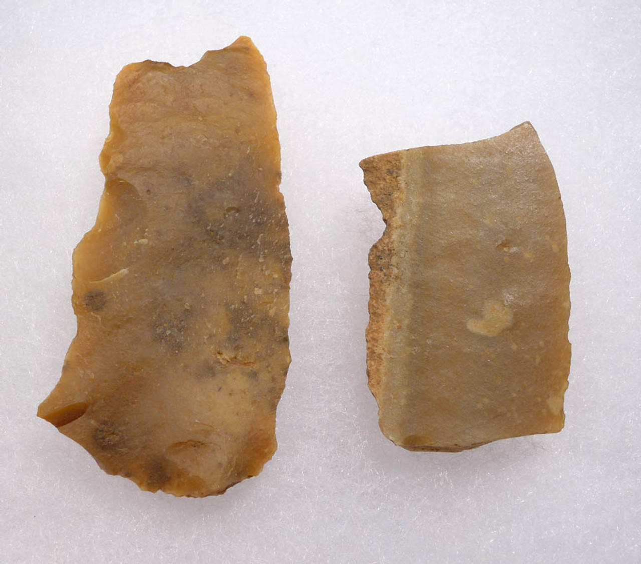 UP029 - TWO AURIGNACIAN CRO-MAGNON BLADE KNIFE FLAKE TOOLS FROM FRANCE
