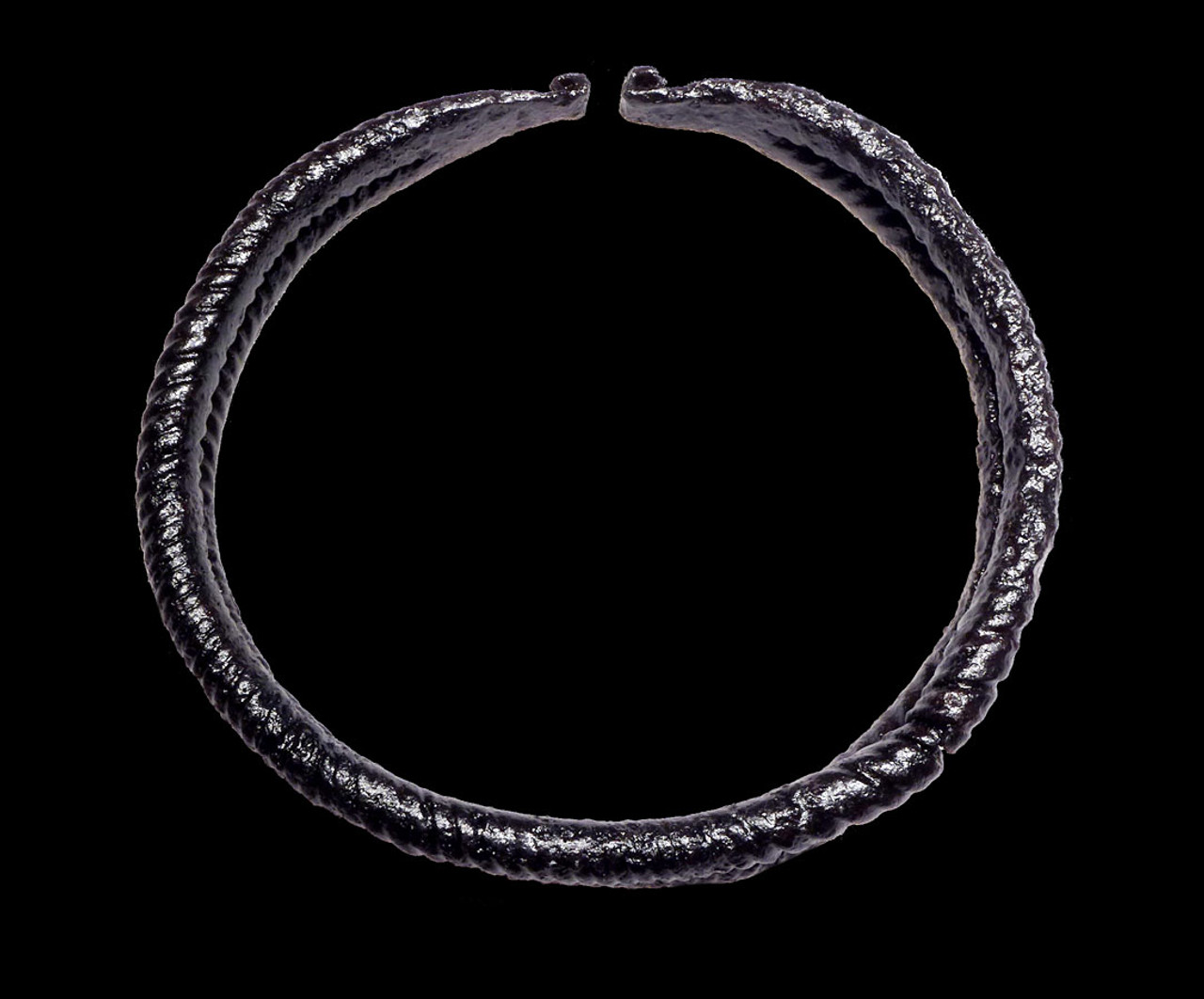 MUSEUM-CLASS ANCIENT CELTIC IRON TORC NECK RING FROM A CELT OF HIGH STATUS *CEL001