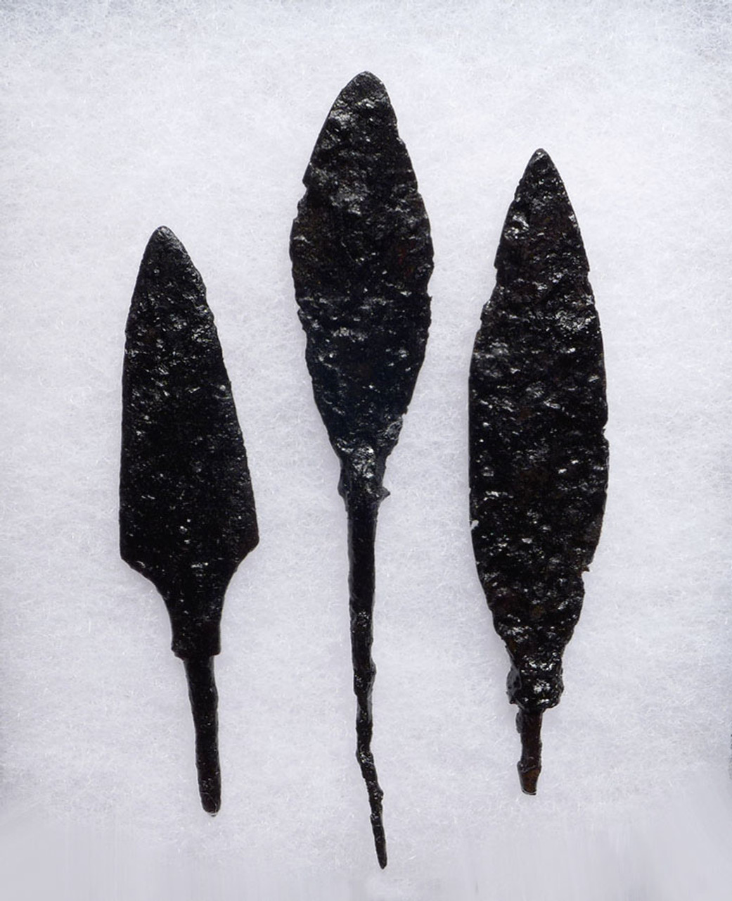 EXCELLENT SET OF 3 LARGE ANCIENT ROMAN IRON ARROWHEADS FROM THE BYZANTINE ERA *R179