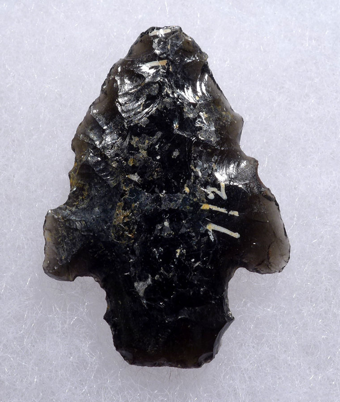 DELICATE PRE-COLUMBIAN OBSIDIAN BARBED ARROWHEAD FROM THE HEFLIN COLLECTION * PC260