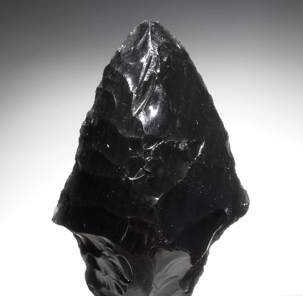 VERY ROBUST WELL-MADE PRE-COLUMBIAN OBSIDIAN ATLATL HEAD PROJECTILE POINT DESIGNED FOR PENETRATION FROM THE HEFLIN COLLECTION * PC261