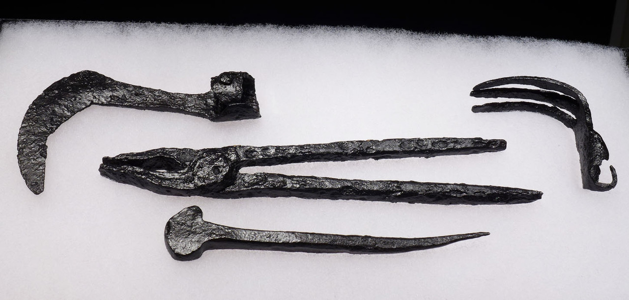 RARE SET OF FOUR ANCIENT ROMAN BYZANTINE CAVALRY FARRIER TOOLS *BYZR004