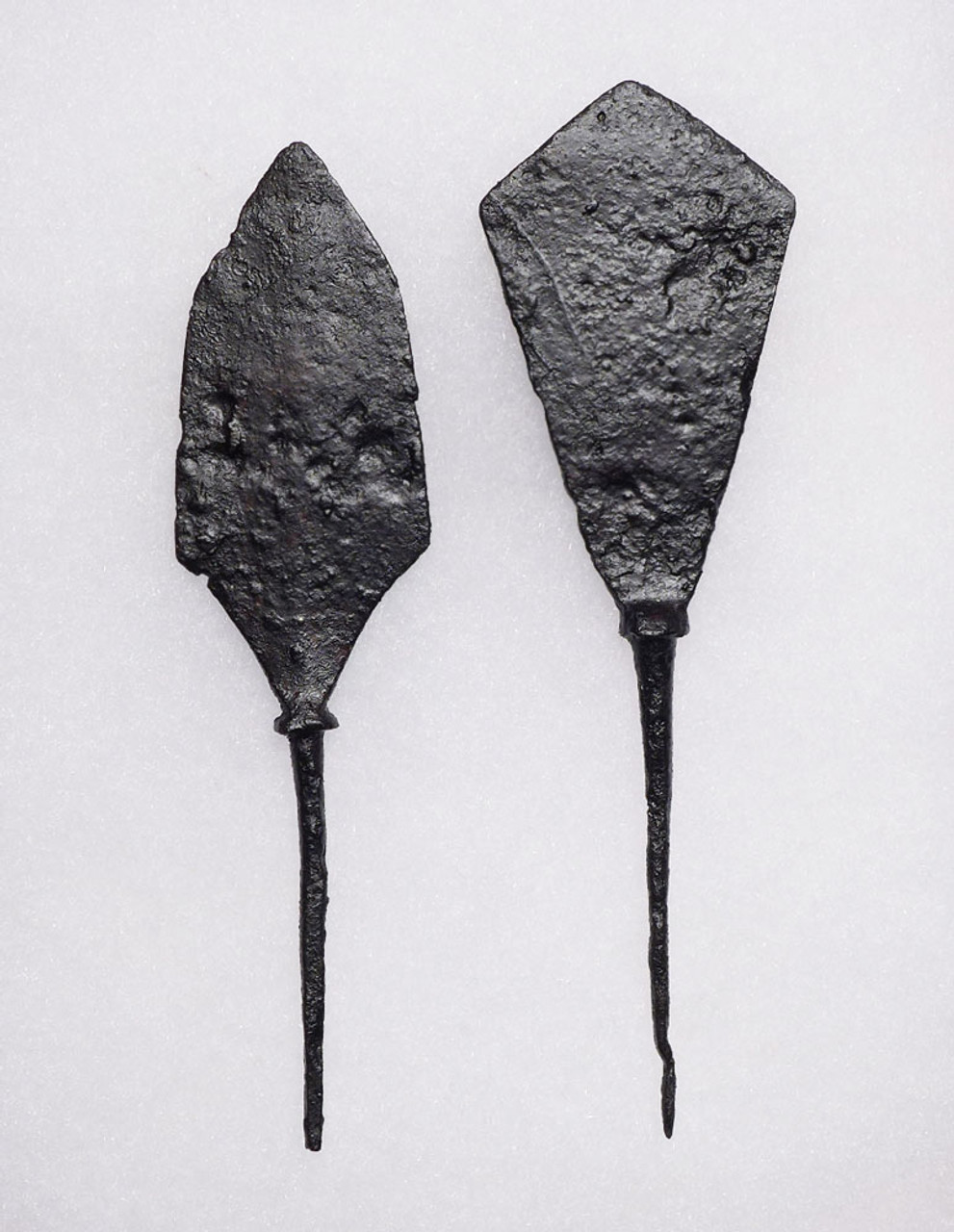 TWO LARGE ANCIENT ROMAN BYZANTINE ARROWHEADS FROM A SUPPORTING LINE ARCHER *R222