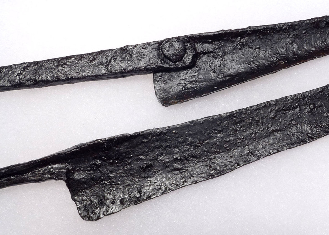 PAIR OF LARGE ANCIENT ACHAEMENID EARLY PERSIAN IRON STABBING SWORD KNIVES FROM THE FIRST PERSIAN EMPIRE *R133