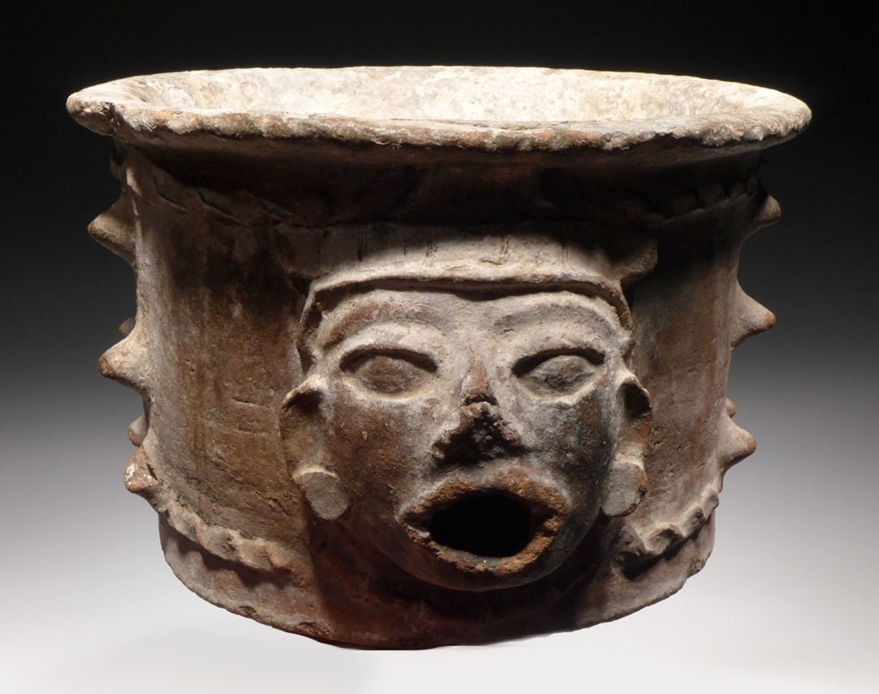 SPECTACULAR LARGE MAYAN SHRINE URN ALTER VESSEL FROM THE FAMOUS MINT MUSEUM *PC122