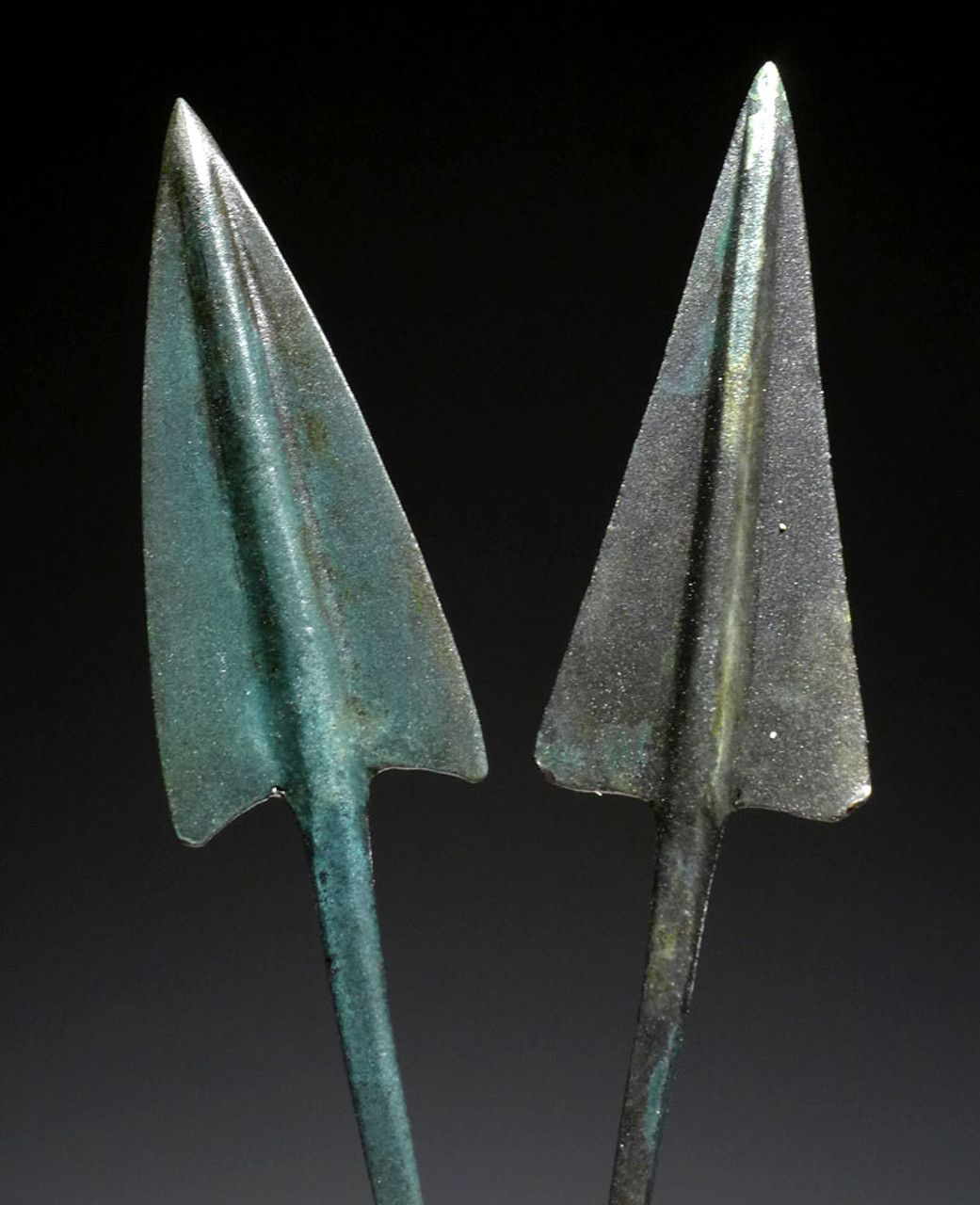 PAIR OF FINEST LARGE ANCIENT BRONZE ARROWHEADS FROM THE NEAR EASTERN LURISTAN CULTURE *NEPC014