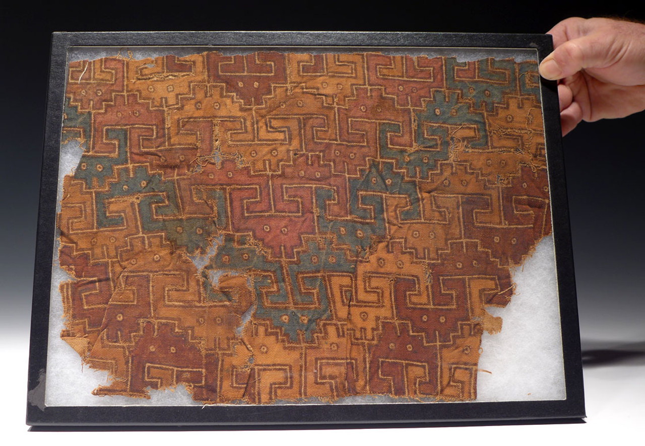 RARE LARGE EX-MUSEUM PRE-COLUMBIAN ANCIENT TEXTILE WITH HAND-DYED DESIGNS *PCT008