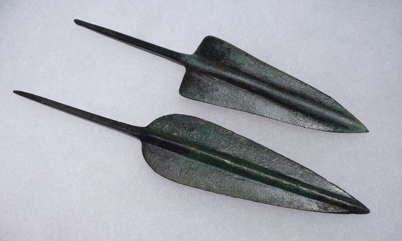 PAIR OF FINEST LARGE ANCIENT BRONZE ARROWHEADS FROM THE NEAR EASTERN LURISTAN CULTURE *NEPC010