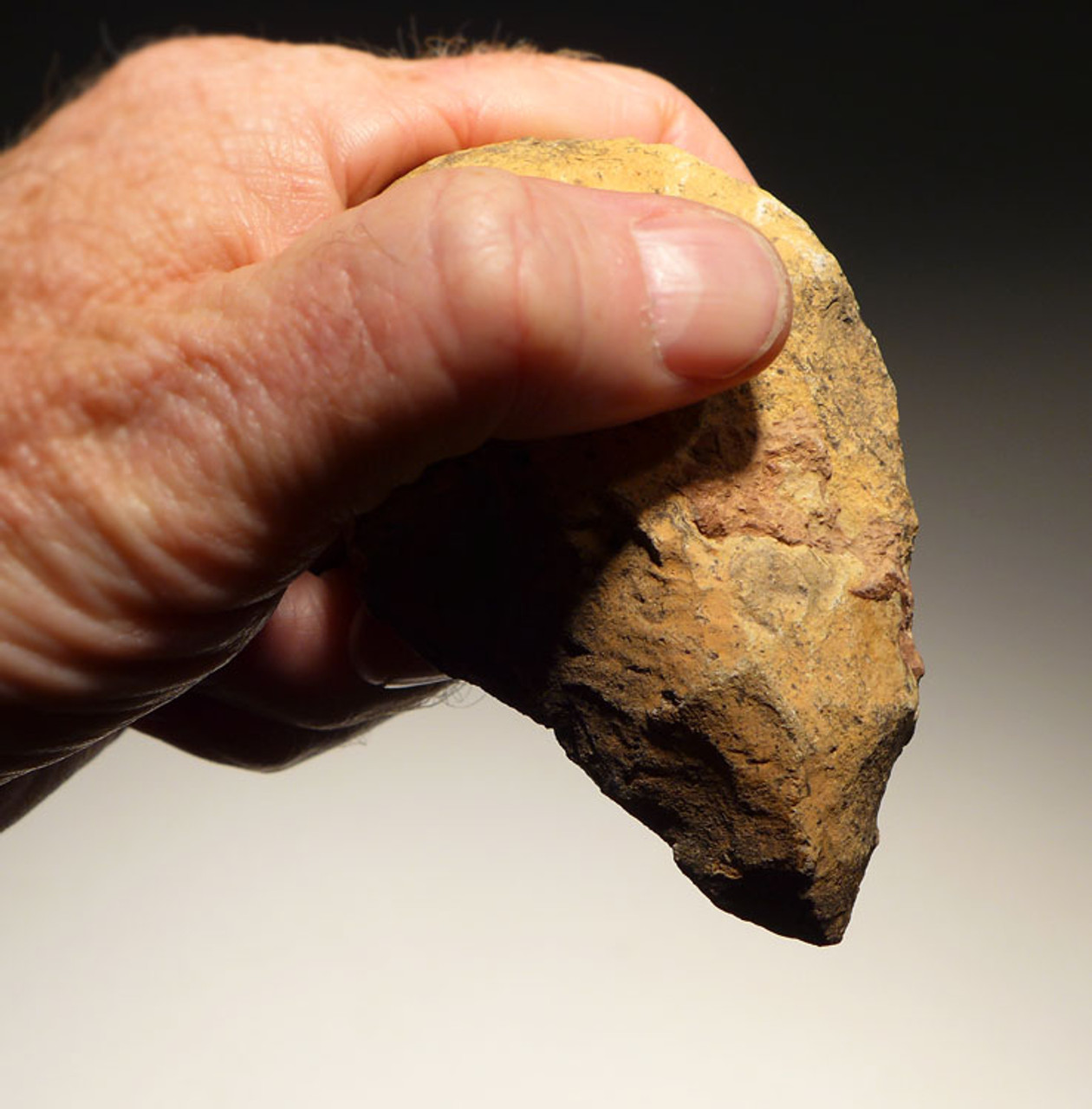 MOUSTERIAN MIDDLE PALEOLITHIC HAND AXE FROM NORTH AFRICA WITH WELL MADE GRIP *M355
