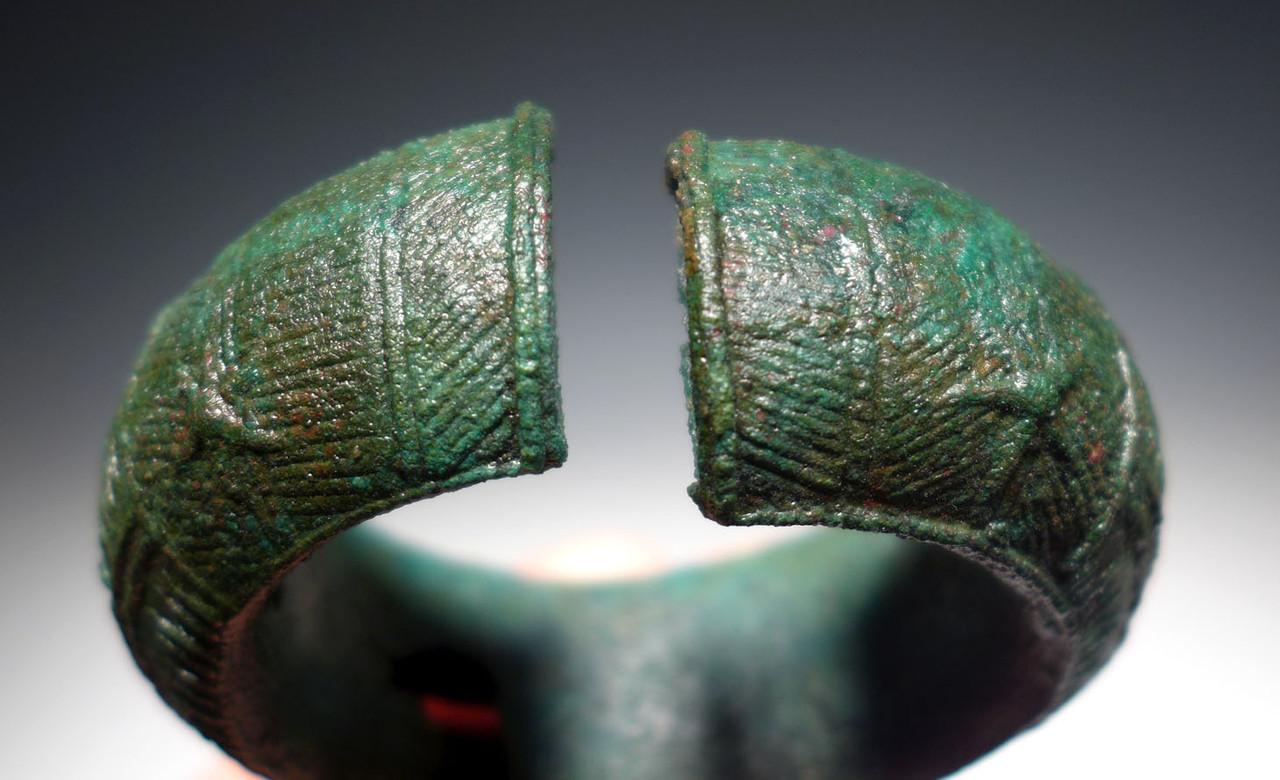 ELABORATE ANCIENT SOUTHEAST ASIA DONG SON CULTURE BRONZE BANGLE BRACELET *SEA003