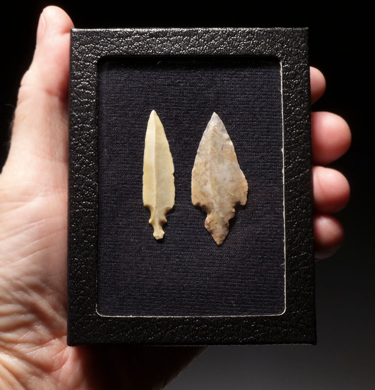 PAIR OF CHOICE LARGE UNIFACIAL AFRICAN CAPSIAN NEOLITHIC ARROWHEADS *CAP203