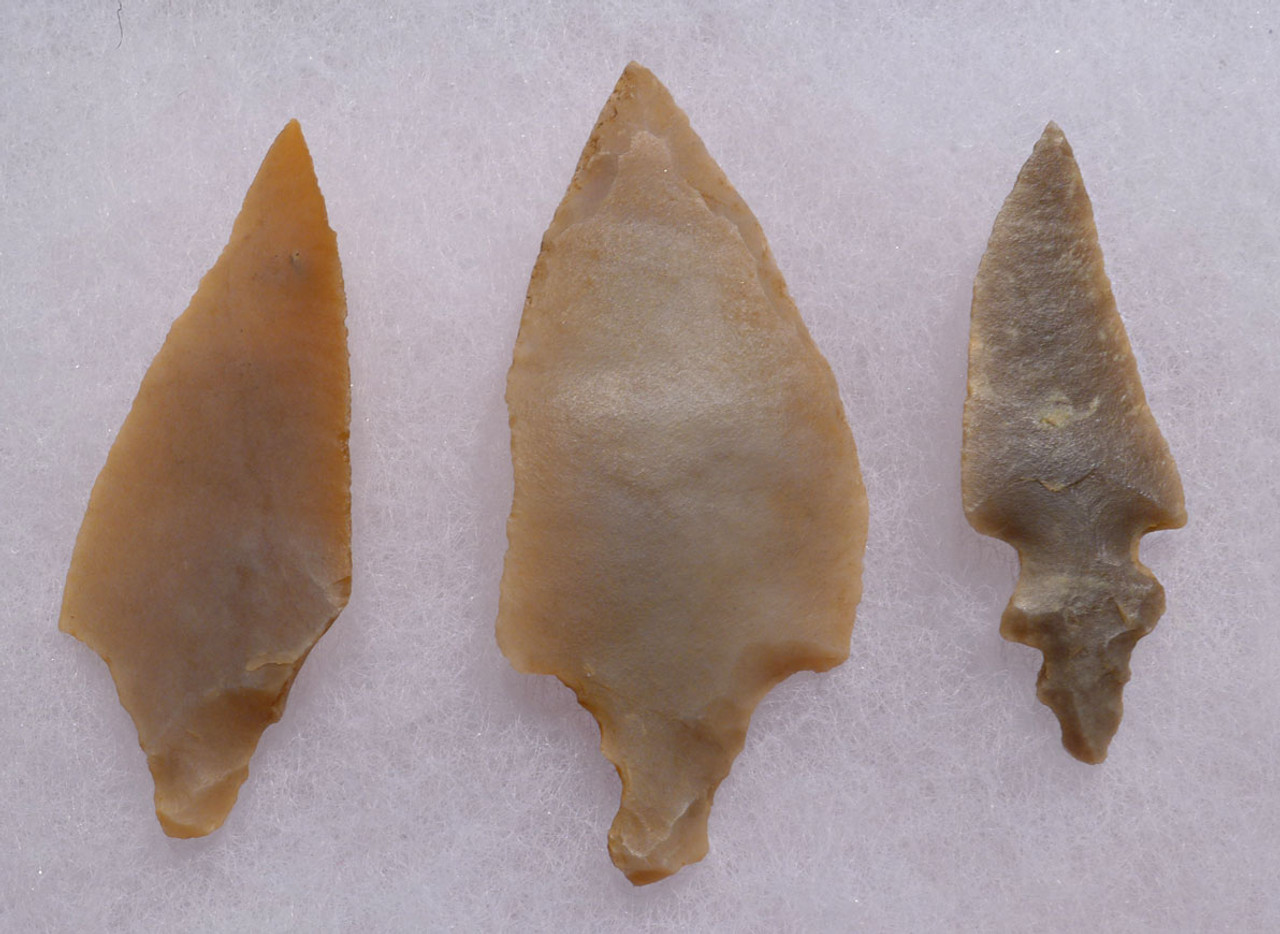 THREE LARGE CHOICE UNIFACIAL AFRICAN CAPSIAN NEOLITHIC ARROWHEADS *CAP210