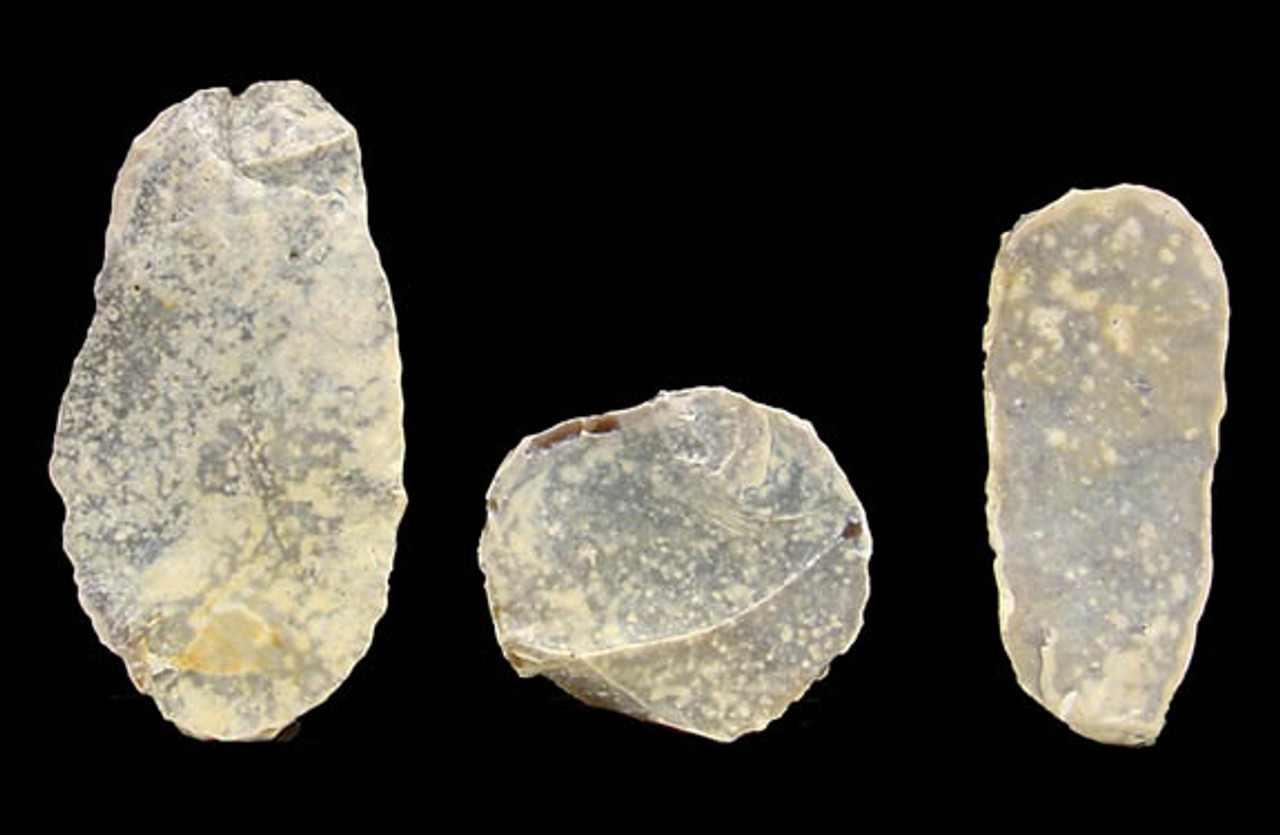 BEAUTIFUL WHITE FLINT FLAKE TOOLS FROM THE AFRICAN CAPSIAN NEOLITHIC *ORCAP-017