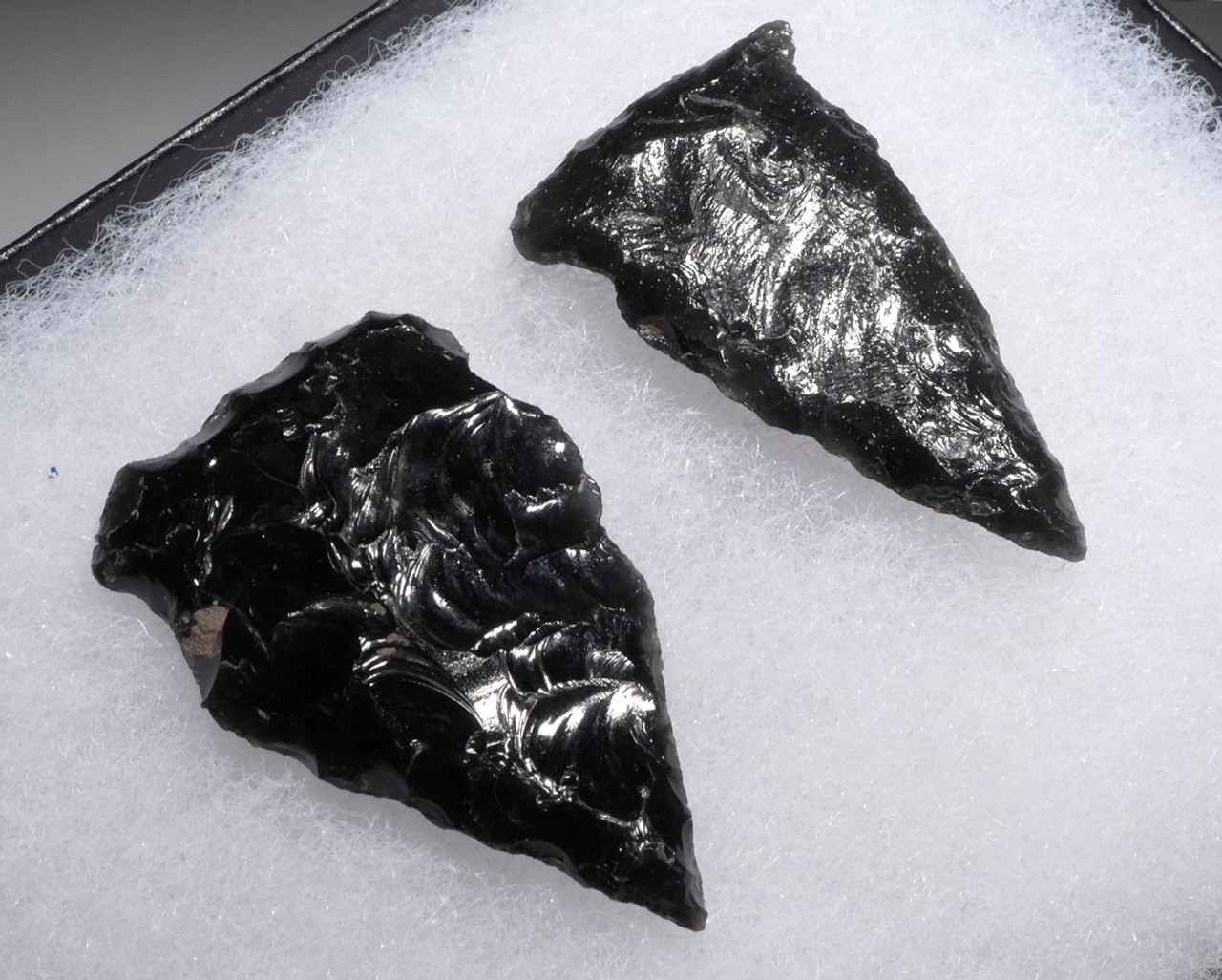 TWO SIDE NOTCHED ATLATL PRE-COLUMBIAN OBSIDIAN SPEARHEADS FROM THE HEFLIN COLLECTION *PC292