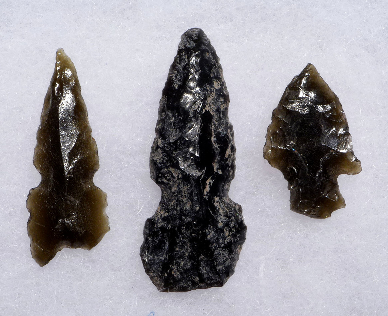 THREE RARE COMPLETE PRE-COLUMBIAN OBSIDIAN ARROWHEADS FROM THE HEFLIN COLLECTION *PC291