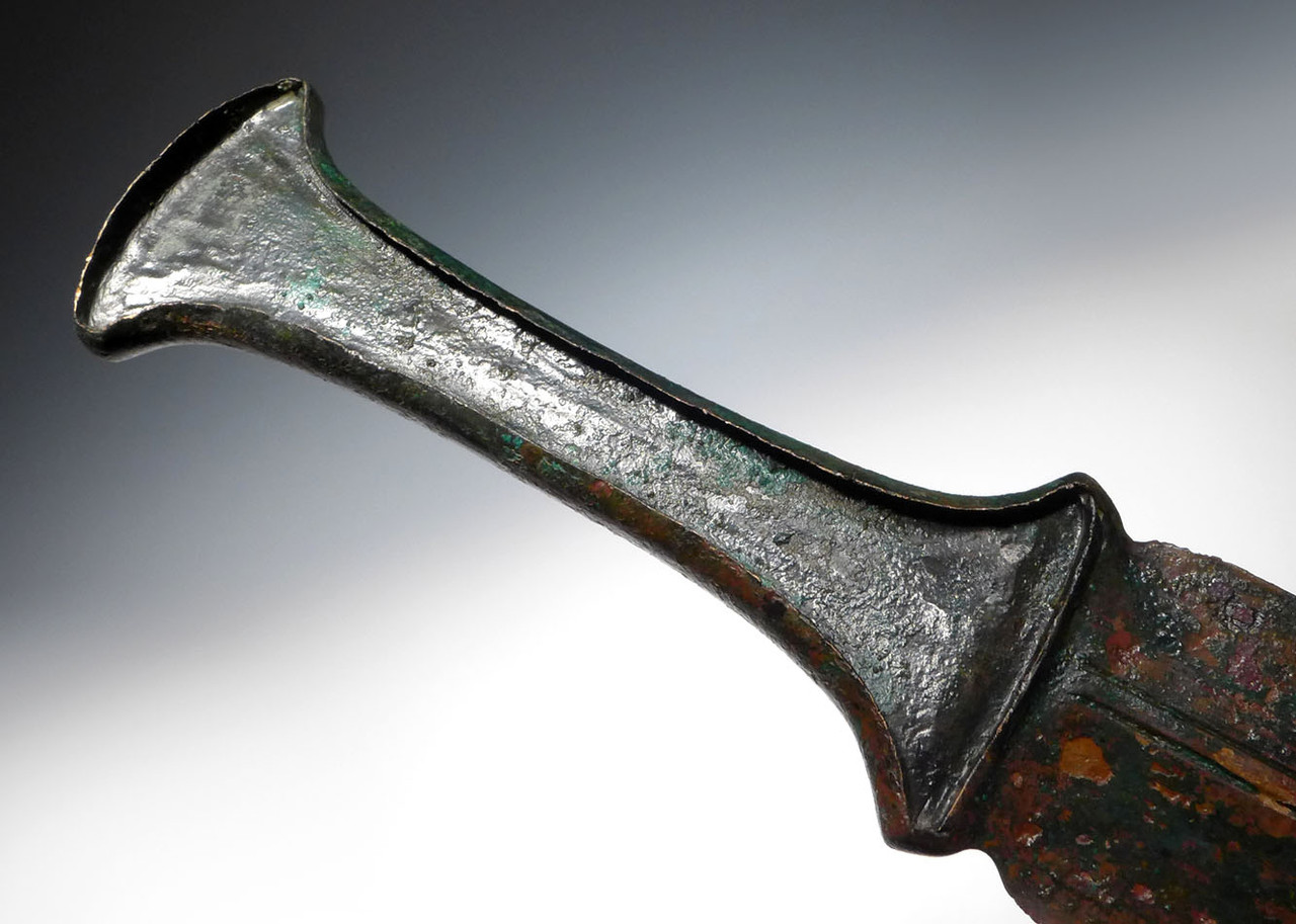 EXCEPTIONAL ANCIENT BRONZE LURISTAN SHORT SWORD WITH HANDLE FROM THE NEAR EAST *LUR133