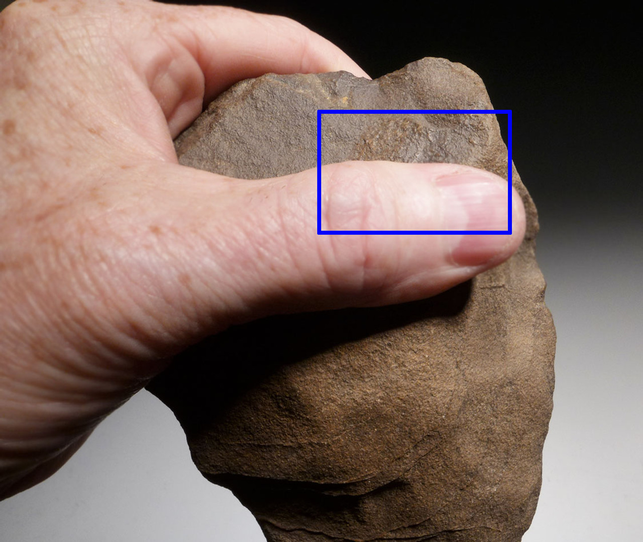 STONE AGE HOMO ERGASTER HAND AXE OF THE ACHEULEAN OF AFRICA WITH EVIDENCE OF LONG-TERM USE  *ACH282