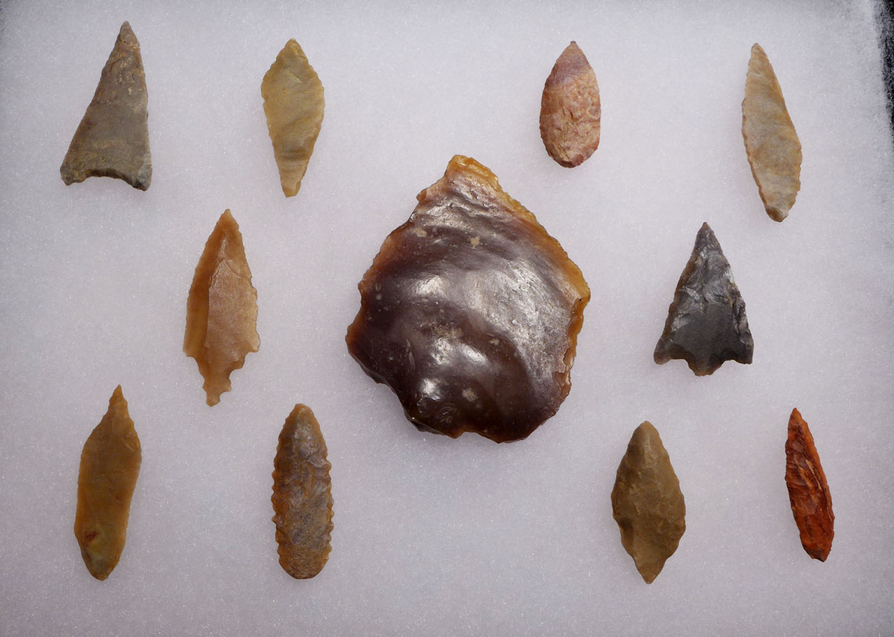 ELEVEN SUPERB CAPSIAN AFRICAN NEOLITHIC ARROWHEADS AND SPEARHEAD *CAP233