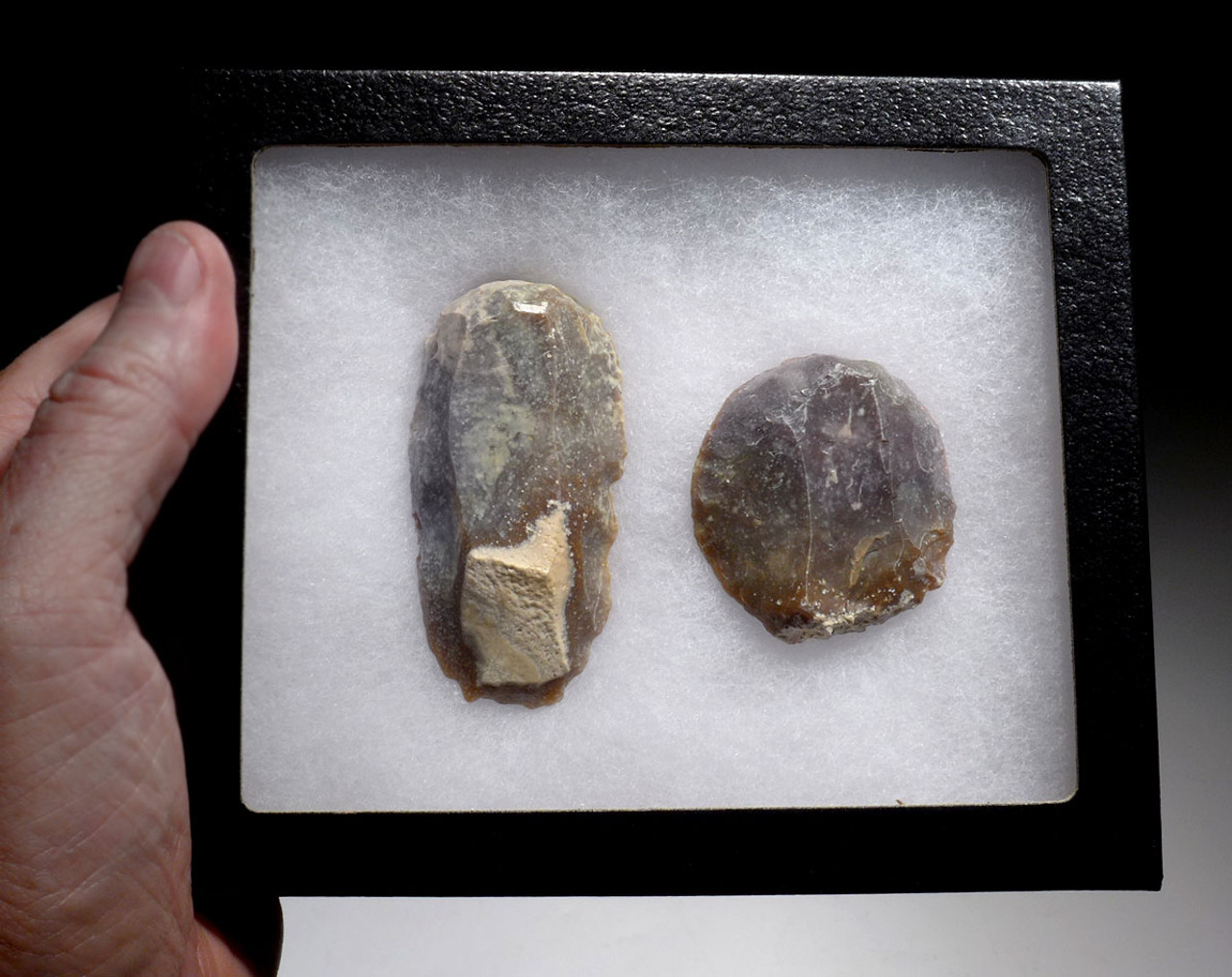 FINEST END AND DISCOIDAL SCRAPERS FROM THE AFRICAN NEOLITHIC CAPSIAN CULTURE *CAP225