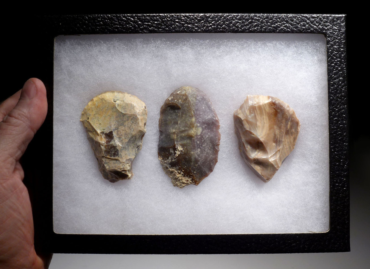 THREE LARGE EXCEPTIONAL FLINT SCRAPERS FROM THE AFRICAN NEOLITHIC CAPSIAN CULTURE *CAP238
