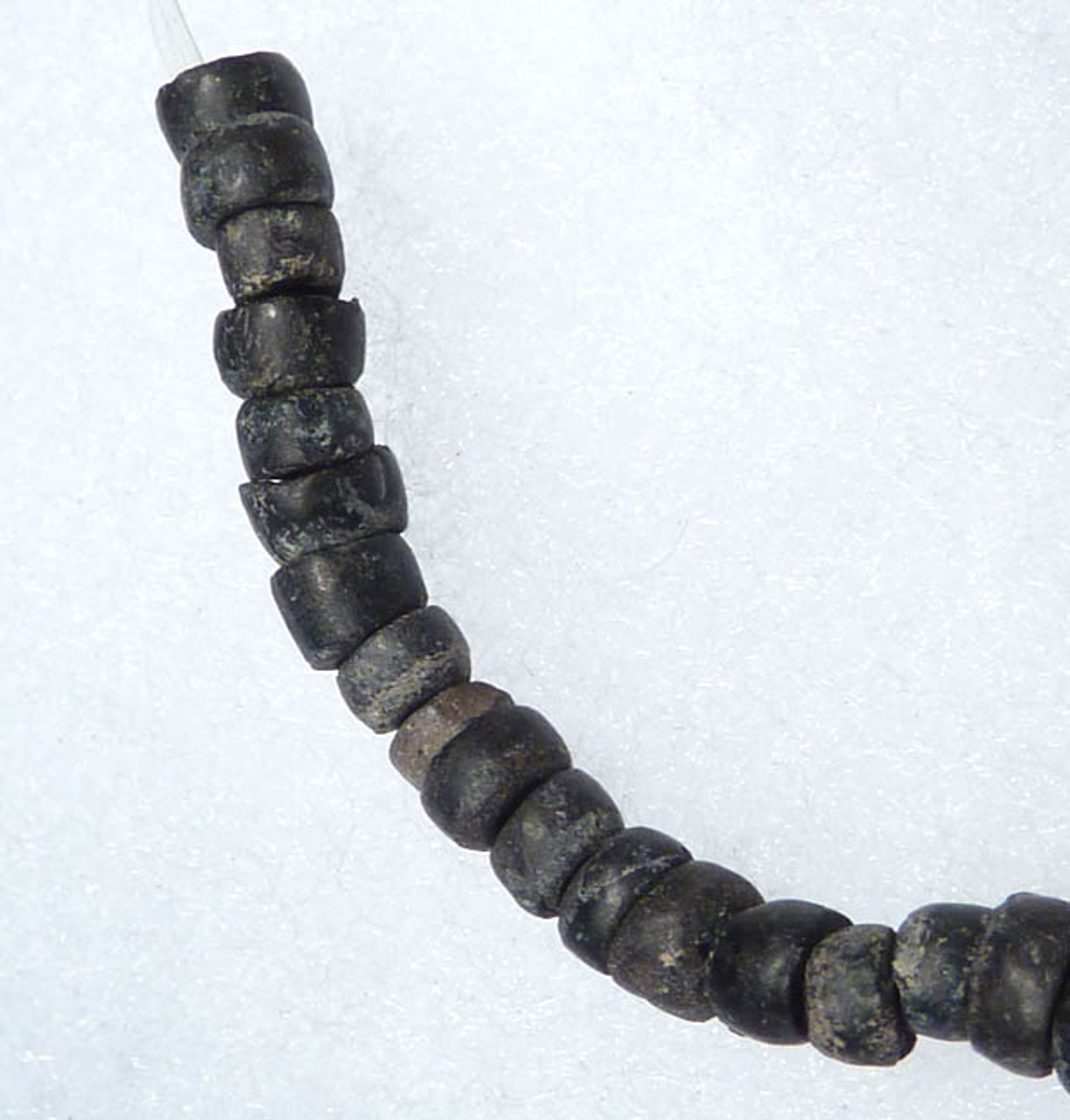 INFANT PRE-COLUMBIAN MAYAN OBSIDIAN COLLAR AND BEAD NECKLACE *PC071