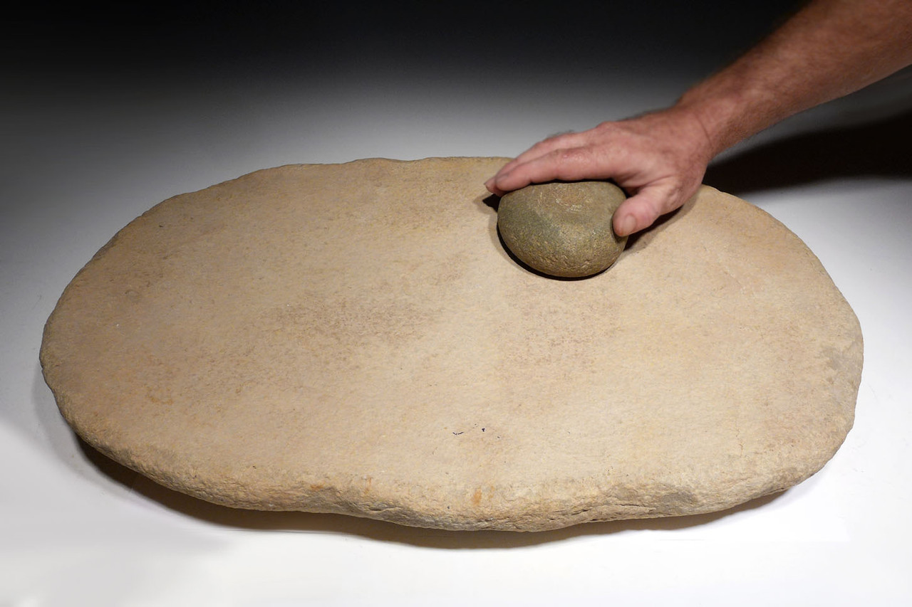 LARGE MUSEUM-CLASS AFRICAN CAPSIAN NEOLITHIC STONE GRINDING MILL AND RUBBING STONE  *CAPM01