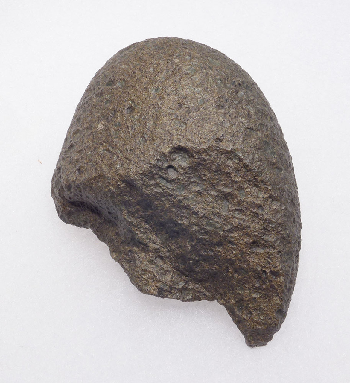BASALT OLDOWAN PEBBLE CHOPPER AXE WITH SHARP TIP FROM THE LOWER PALEOLITHIC OF AFRICA  *PB136