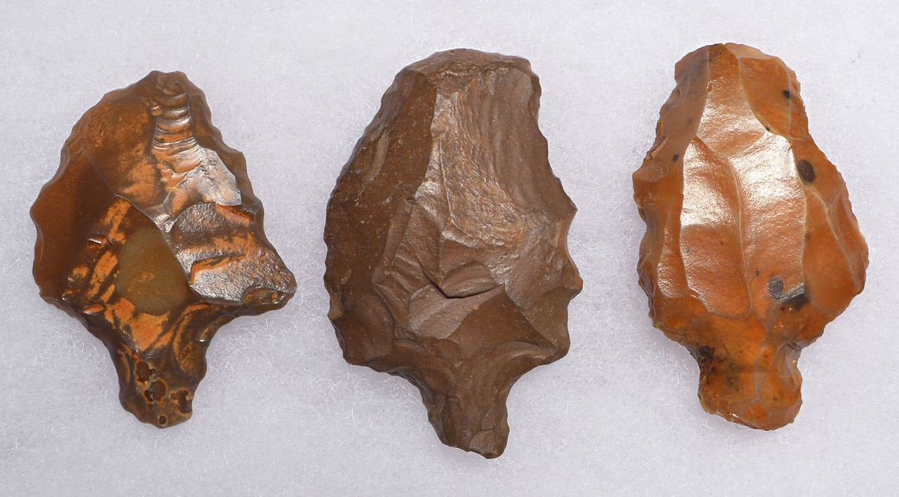 THREE ATERIAN TANGED POINTS - OLDEST PREHISTORIC ARROWHEAD FROM MIDDLE PALEOLITHIC AFRICA  *AT095