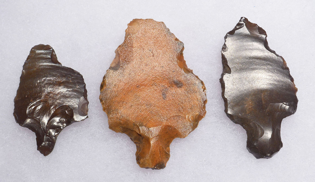 THREE ATERIAN TANGED POINTS - OLDEST PREHISTORIC ARROWHEAD FROM MIDDLE PALEOLITHIC AFRICA  *AT097