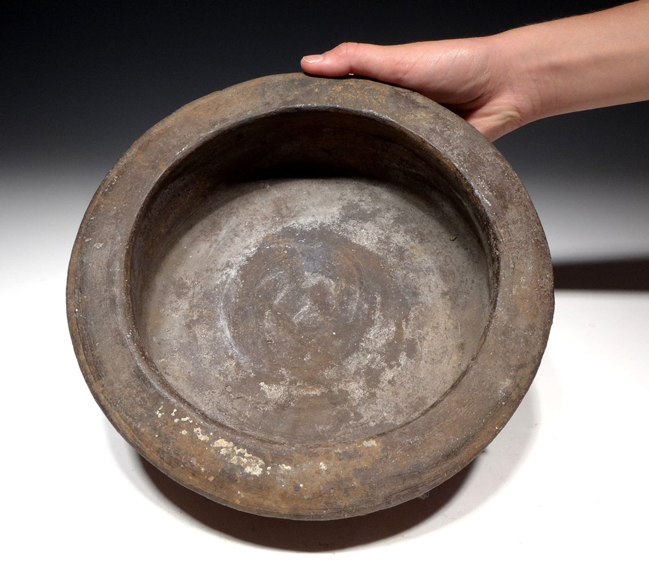 UNBROKEN LARGE MAYAN CEREMONIAL SPIKE DISH BOWL POTTERY WITH CEIBA TREE THORN DESIGN *PCX850