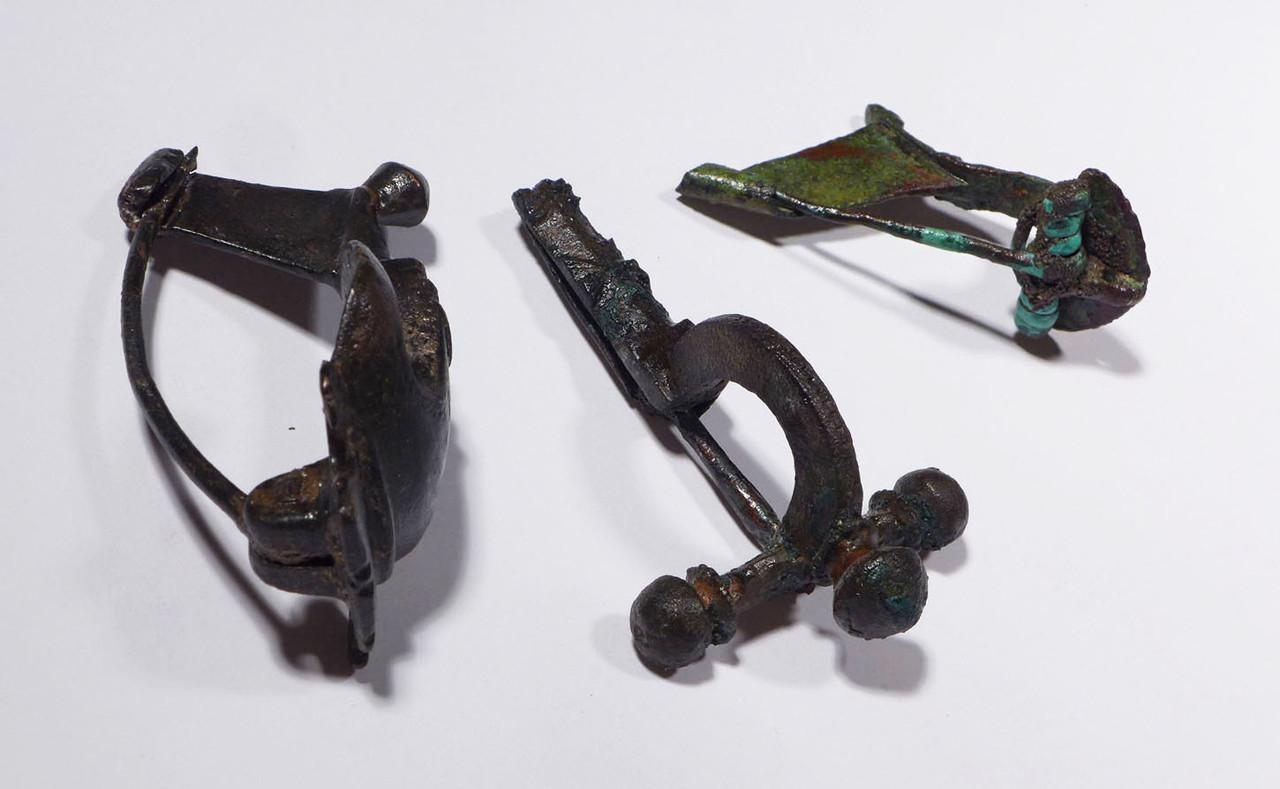 THREE ANCIENT ROMAN CELTIC BRONZE FIBULAE BROOCH PINS  *CEL010