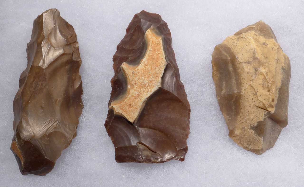 THREE EARLY MAN ATERIAN FLAKE TOOLS FROM MIDDLE PALEOLITHIC AFRICA  *AT109