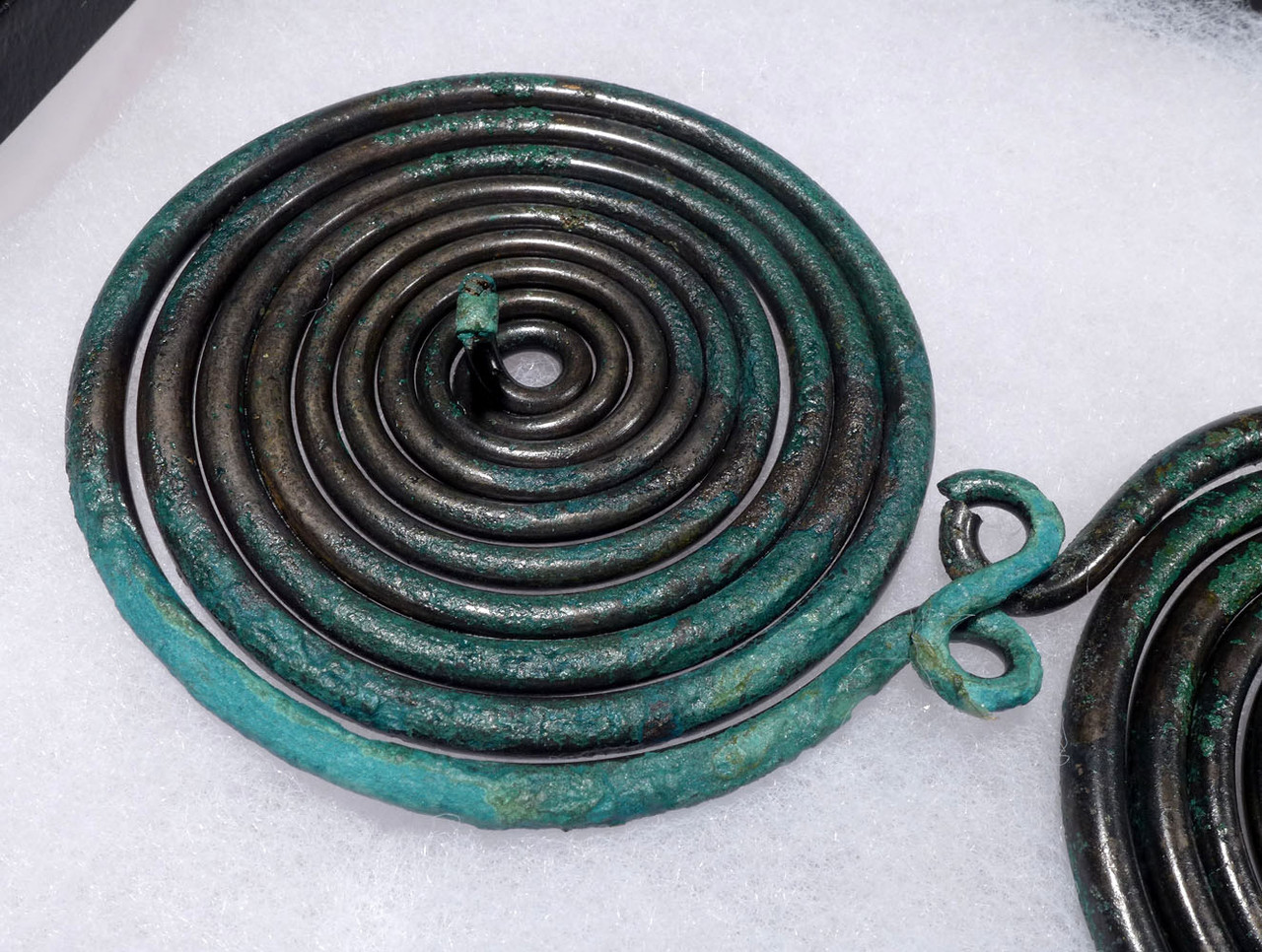 MUSEUM-CLASS LARGE ANCIENT EUROPEAN BRONZE SPIRAL PIN ORNAMENT  *CEL017