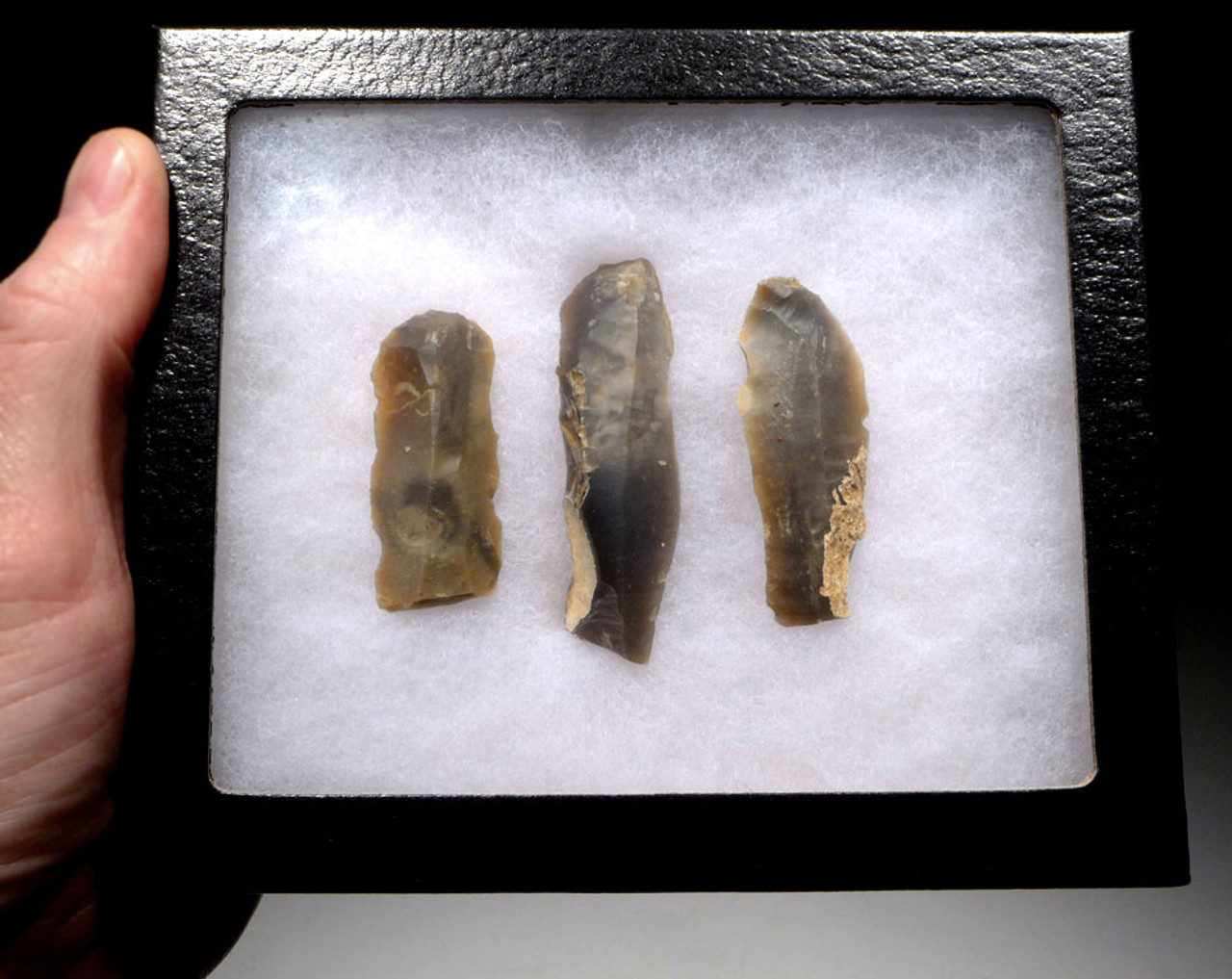 THREE EUROPEAN NEOLITHIC OMALIEN CULTURE FLINT STRUCK BLADE TOOLS FROM BELGIUM  *N171