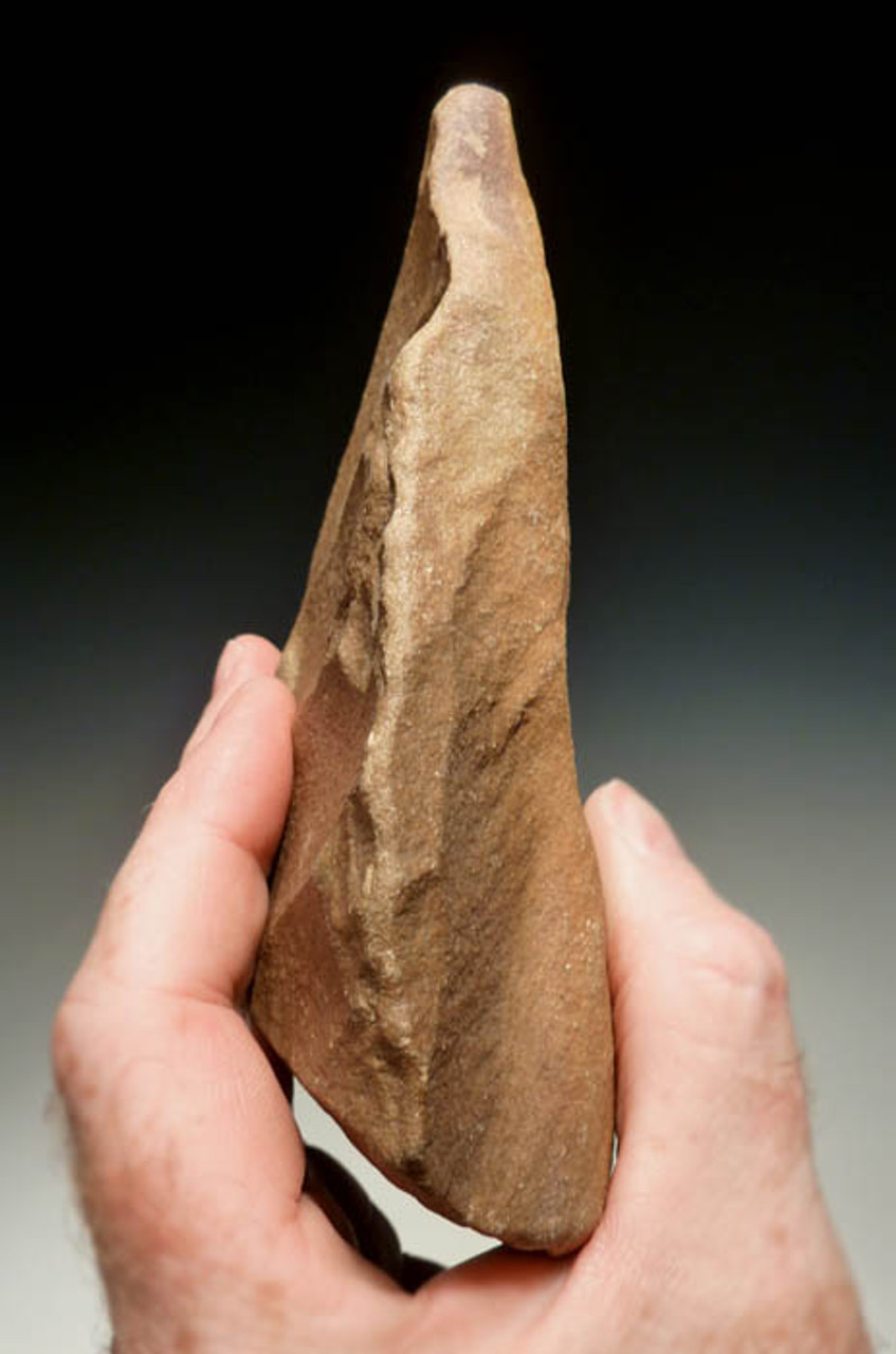 ACH157 - AFRICAN TRIANGULAR ACHEULIAN HANDAXE WITH EXTENSIVE ORIGINAL FLAKING MADE BY HOMO ERGASTER (ERECTUS)